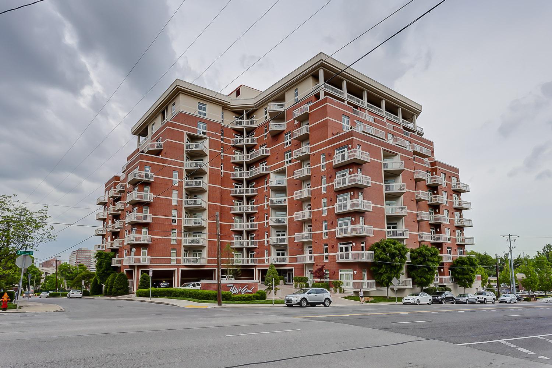Кооперативная квартира для того Продажа на Sophisticated West End Penthouse 110 31st Ave North, # 903 Nashville, Теннесси, 37203 Соединенные Штаты