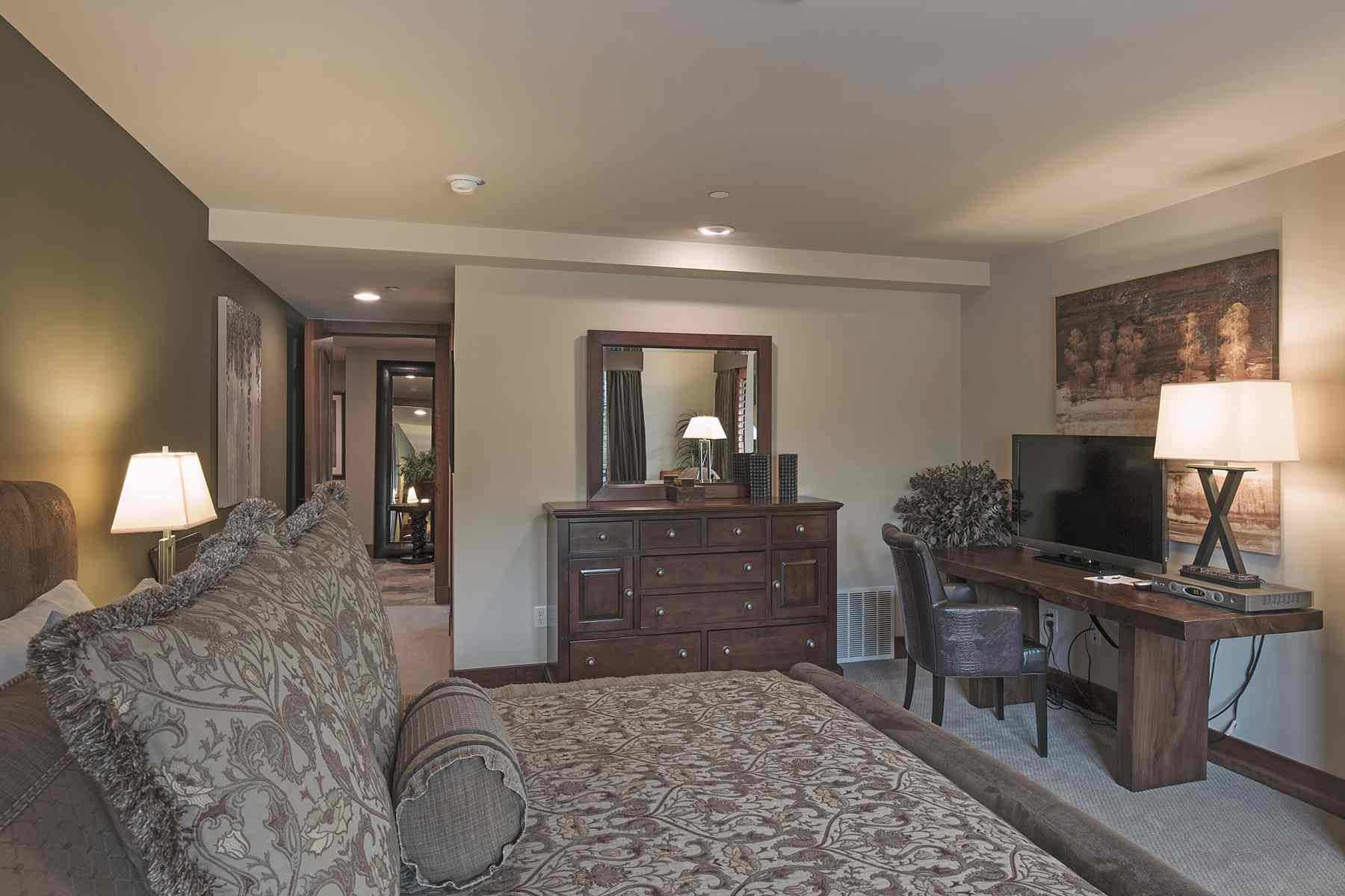 Additional photo for property listing at Best Chilali Penthouse 222 N. 2nd Ave Unit 13 Ketchum, Idaho 83340 Estados Unidos