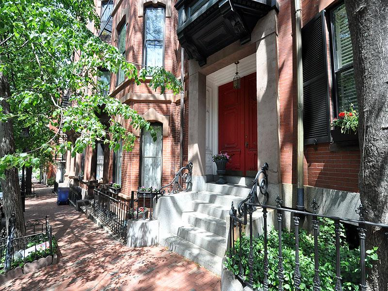 Condominio por un Venta en Wonderful Opportunity 30 Hancock Street Unit M Beacon Hill, Boston, Massachusetts 02114 Estados Unidos