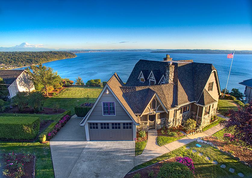 "独户住宅 为 销售 在 ""Gregory House"", Refined Elegance Overlooking Puget Sound 2625 SW 170th Street 布里恩, 华盛顿州 98166 美国"