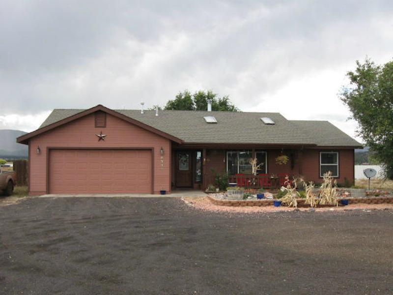 Maison unifamiliale pour l Vente à Wonderful Doney Park Home 8334 Lookout Veiw Trail Flagstaff, Arizona 86004 États-Unis