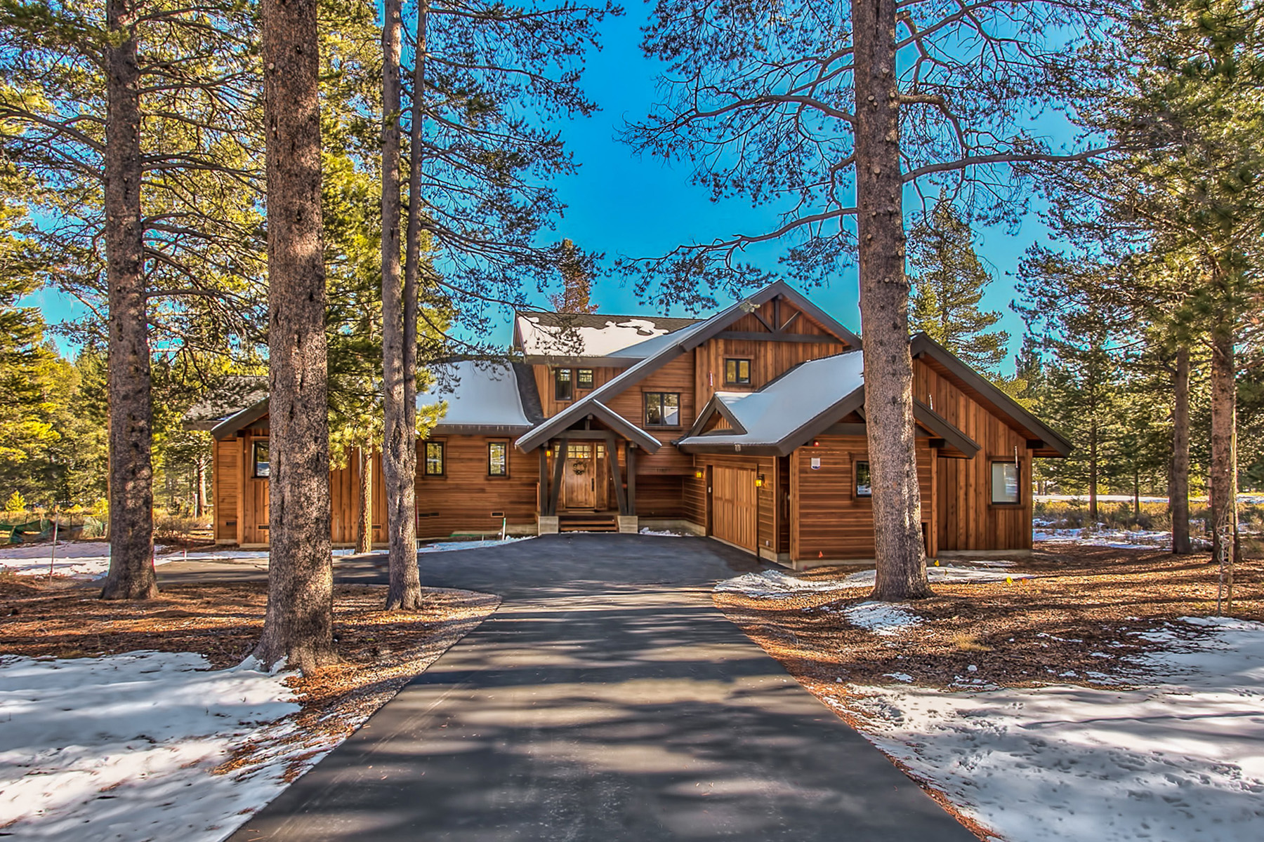 Single Family Home for Active at 11571 Ghirard Road Truckee, California 96161 United States
