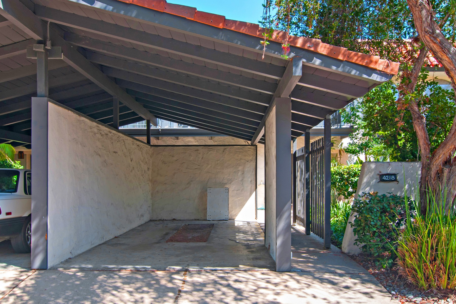 sales property at 4218 Loma Riviera