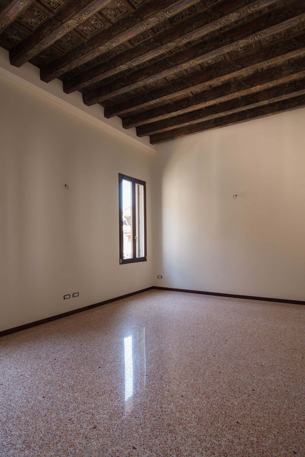 Additional photo for property listing at Salina apartment at Palazzo Garzoni Moro Venice Venice, Venice  Italia