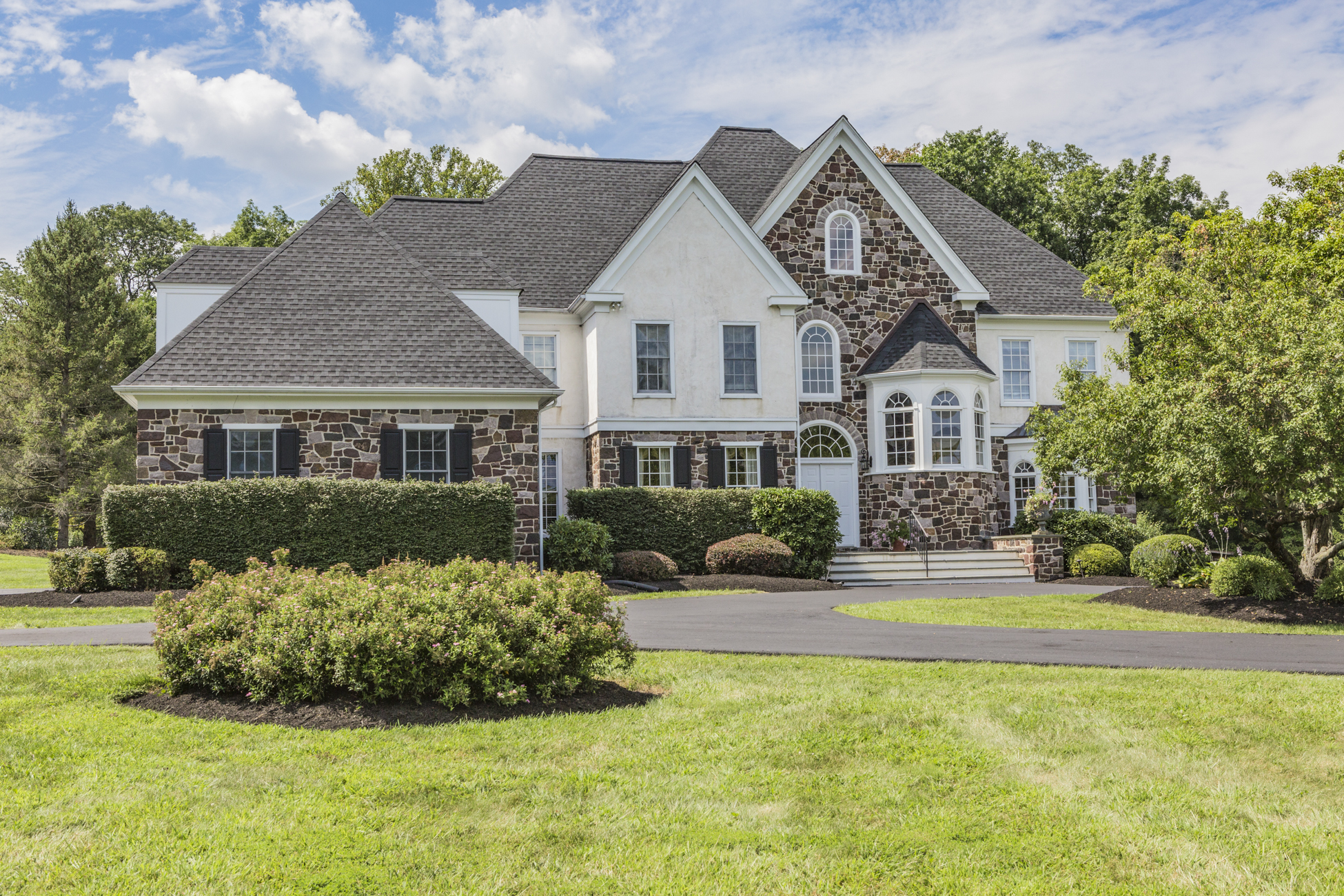 Single Family Home for Sale at Tuscan-Inspired Luxury 9 Chase Hollow Road Hopewell, 08525 United States