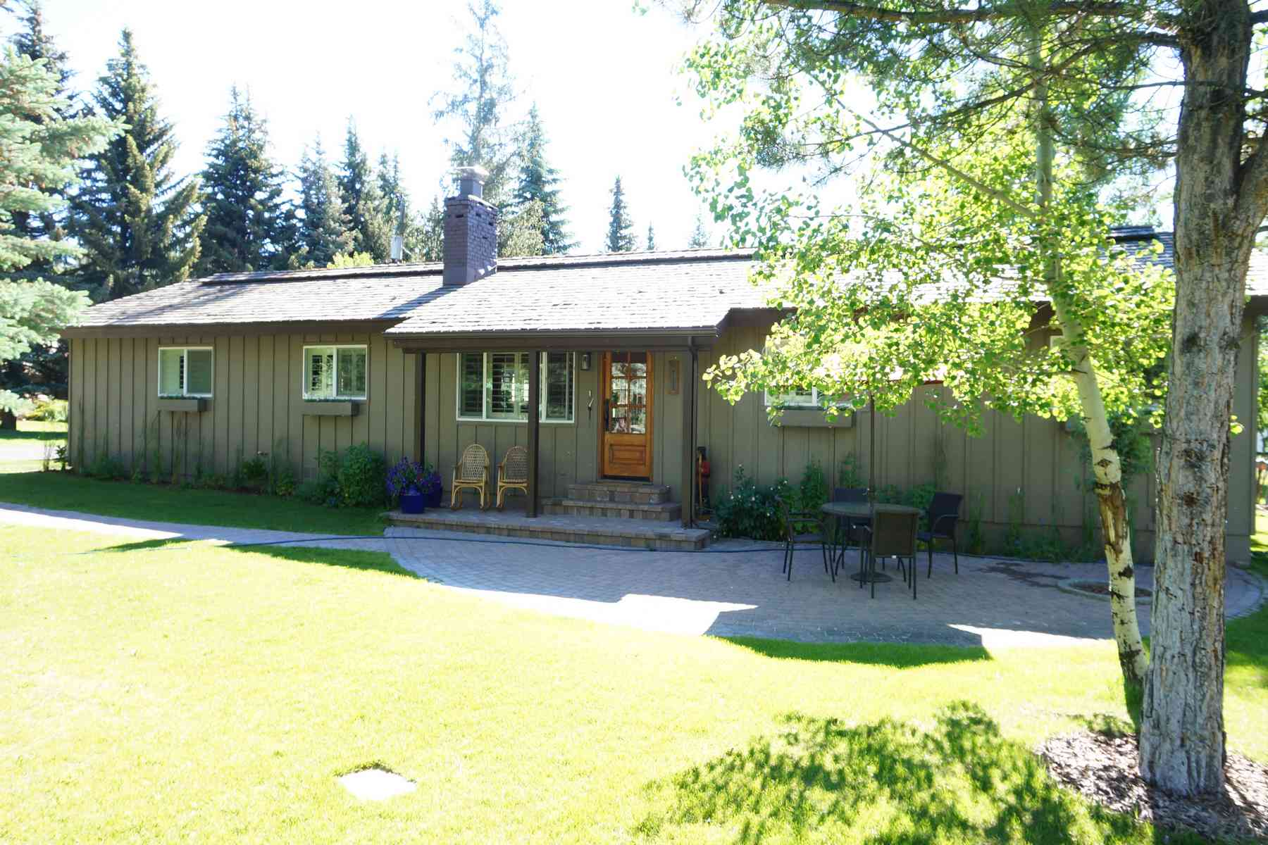 Single Family Home for Sale at Cute and Cozy Home 211 Penny Drive Ketchum, Idaho, 83340 United States