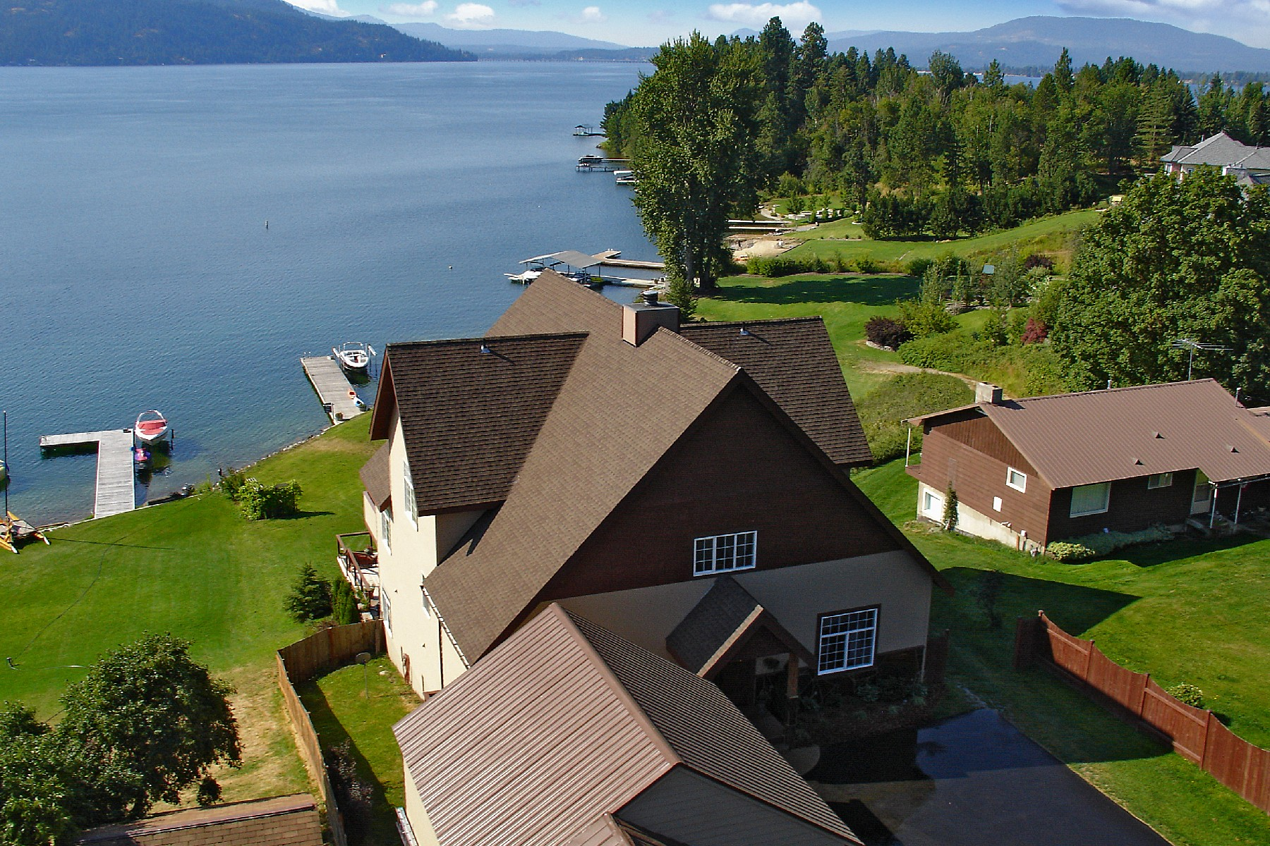Single Family Home for Sale at Incredible In-Town Lake Front Property 152 Kootenai Bay Rd Sandpoint, Idaho 83864 United States