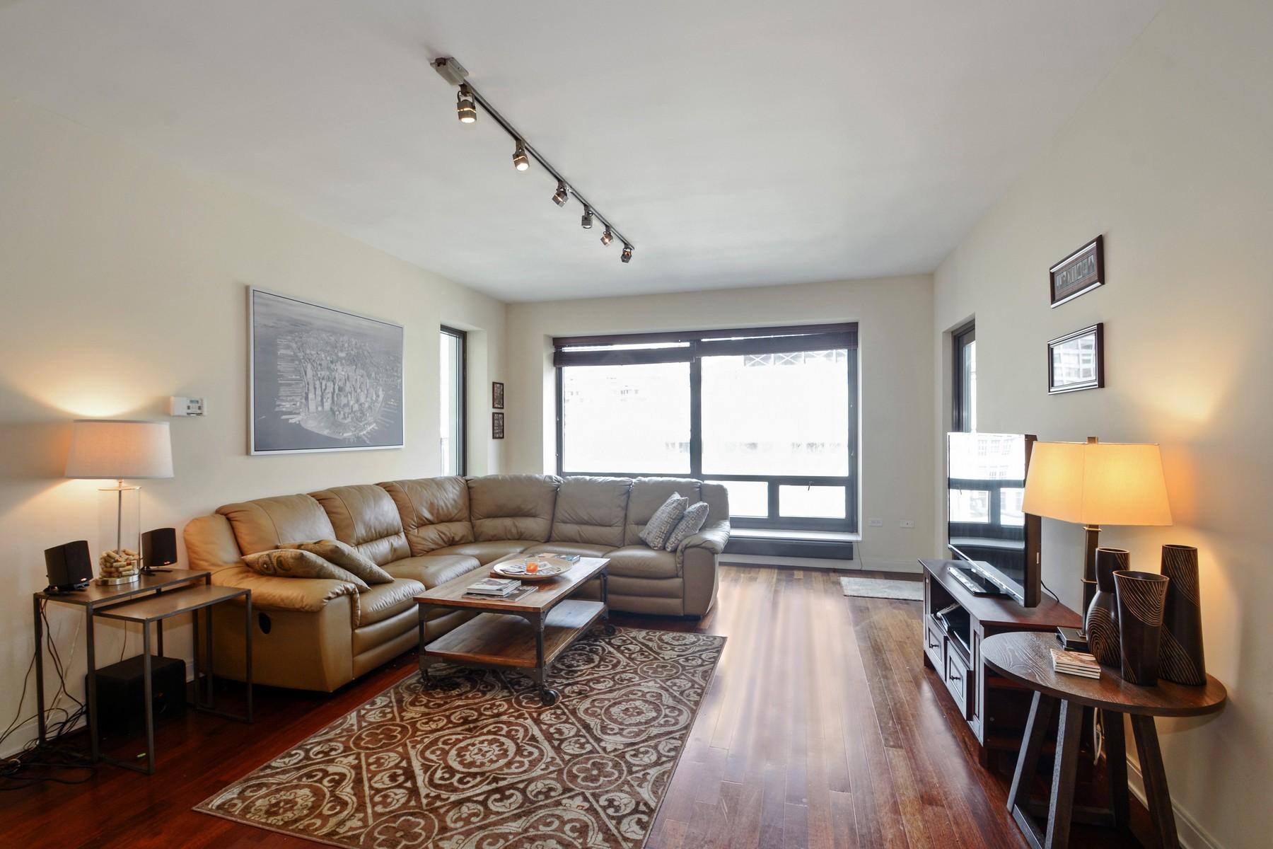 Condominium for Sale at The Heritage at Millenium Park 130 N Garland Court Unit 1812 Loop, Chicago, Illinois, 60602 United States