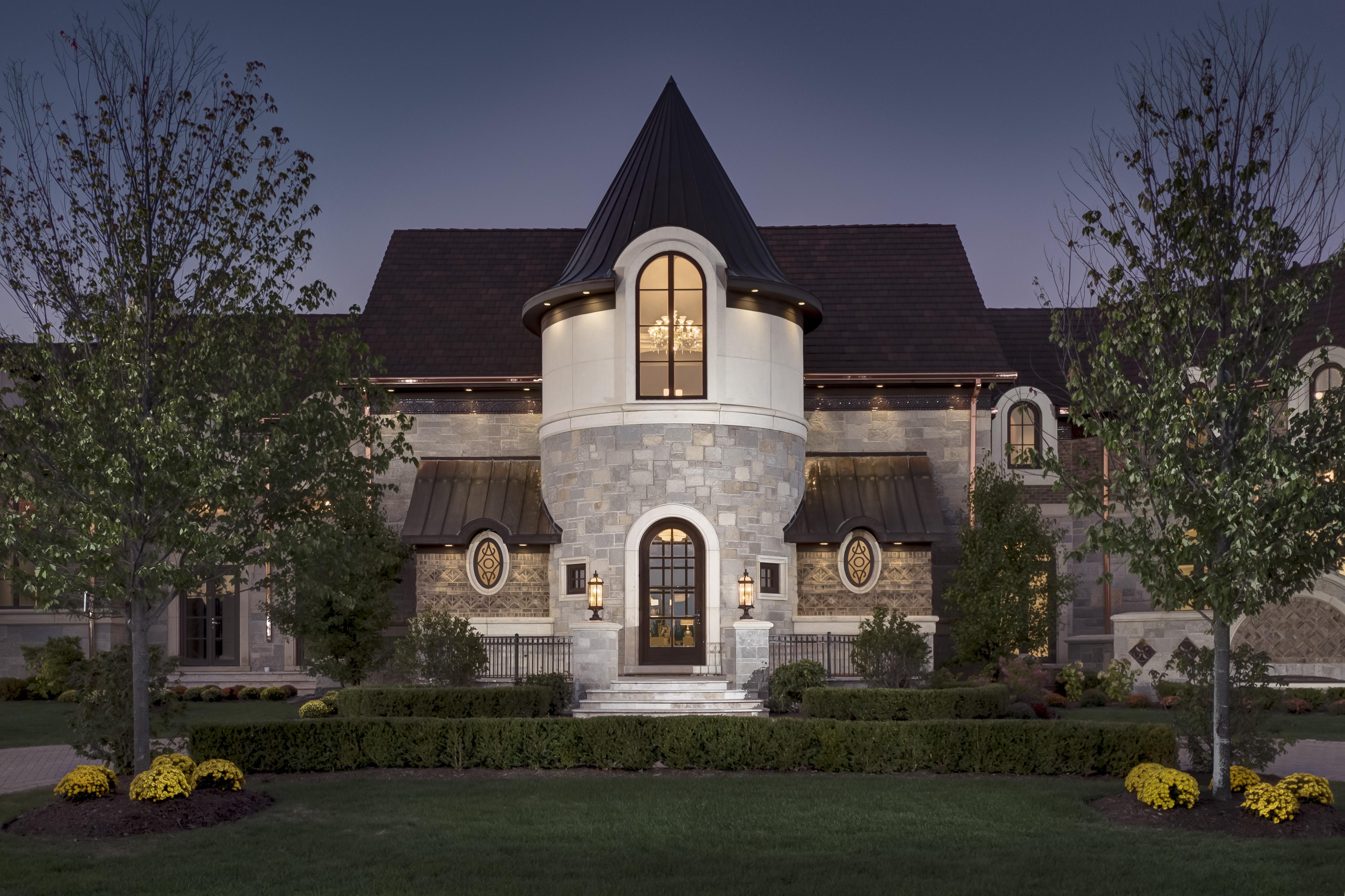 Nhà ở một gia đình vì Bán tại Exquisite French Country 8 Kaleigh Court South Barrington, Illinois 60010 Hoa Kỳ