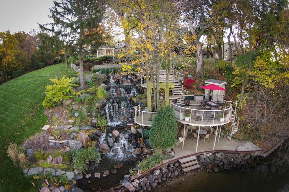 Nhà ở một gia đình vì Bán tại 28758 W Park Drive Barrington, Illinois 60010 Hoa Kỳ