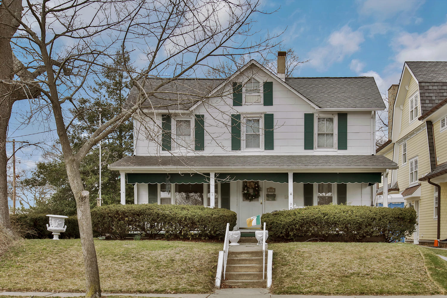 Single Family Home for Sale at Charming 3 Bedroom in Spring Lake 220 Worthington Ave Spring Lake, New Jersey 07762 United States