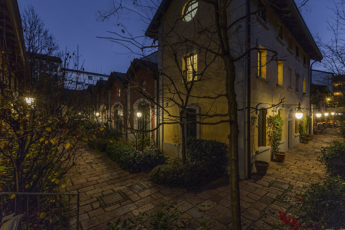 Additional photo for property listing at Semi detached villa on two levels via Elia Lombardini Milano, Milan 20143 Italien