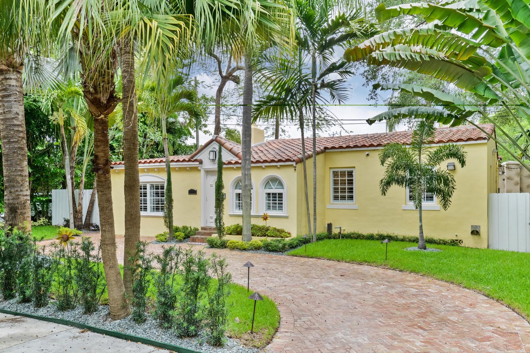 Casa para uma família para Venda às Natoma Park 1885 Wa Kee Na Drive Coconut Grove, Florida 33133 Estados Unidos
