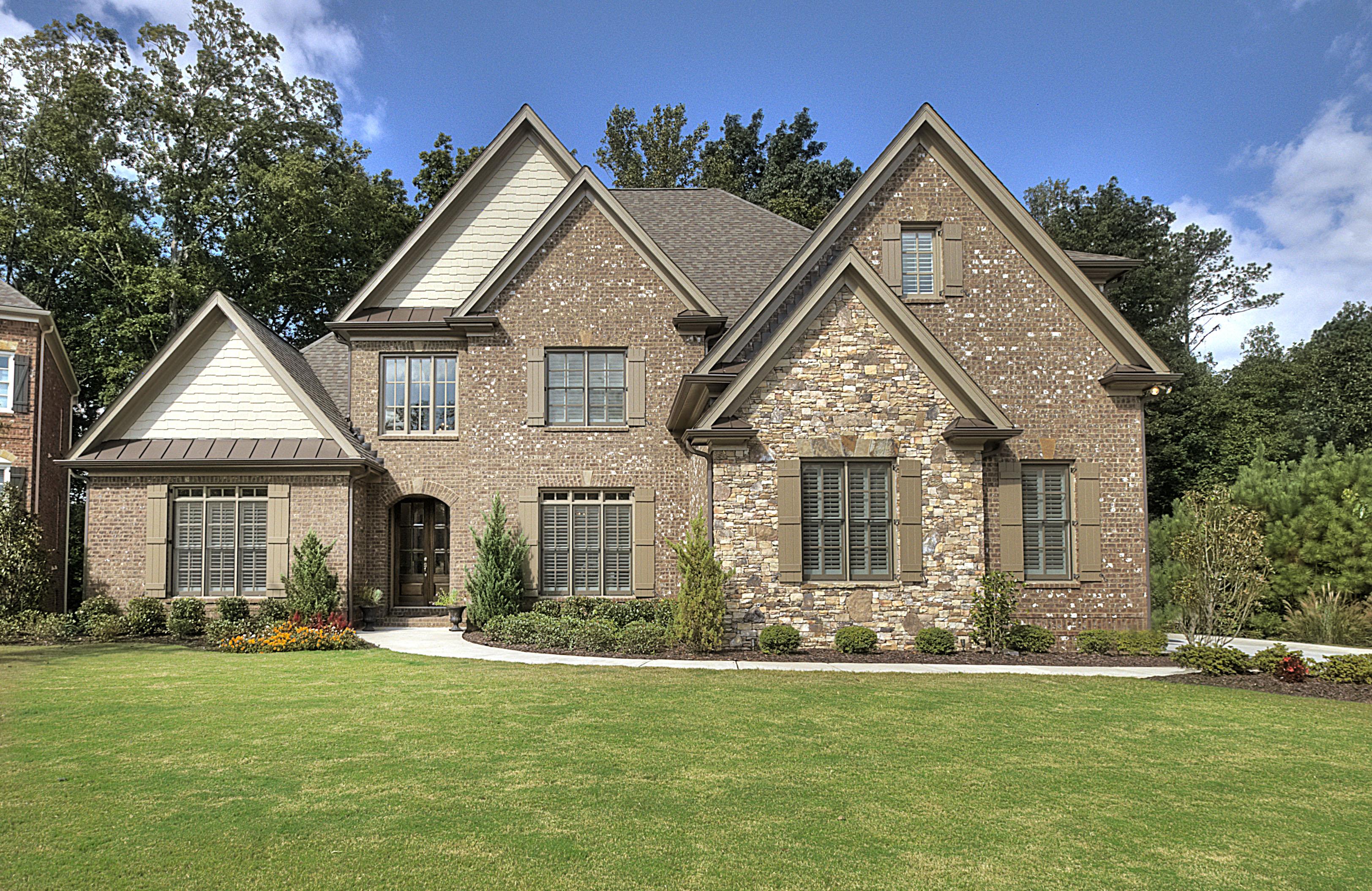 Nhà ở một gia đình vì Bán tại Designer Showcase Home 4553 Vendome Place Roswell, Georgia 30075 Hoa Kỳ