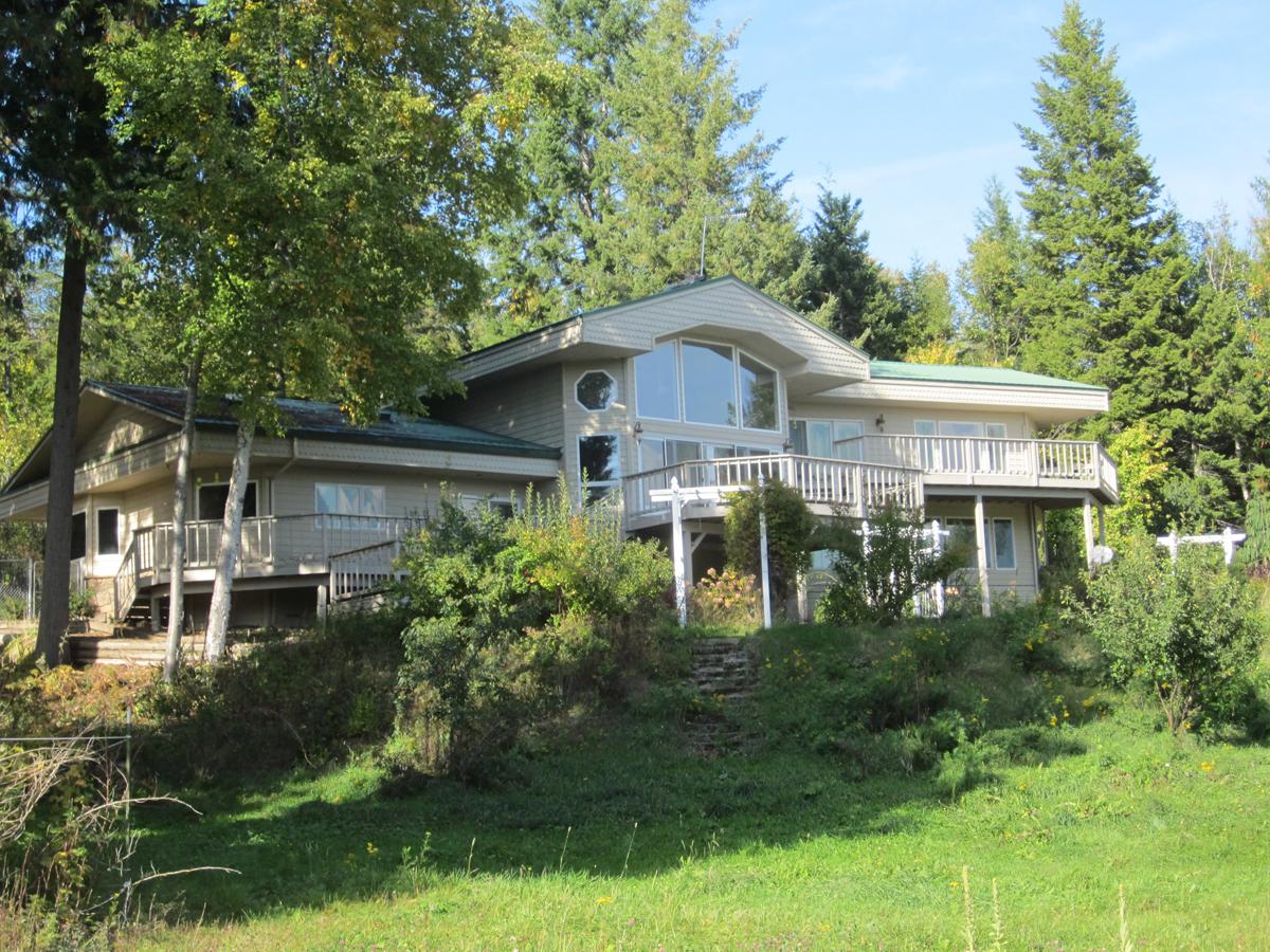 Maison unifamiliale pour l Vente à Country Elegance 301 Deer Ridge Sandpoint, Idaho 83864 États-Unis
