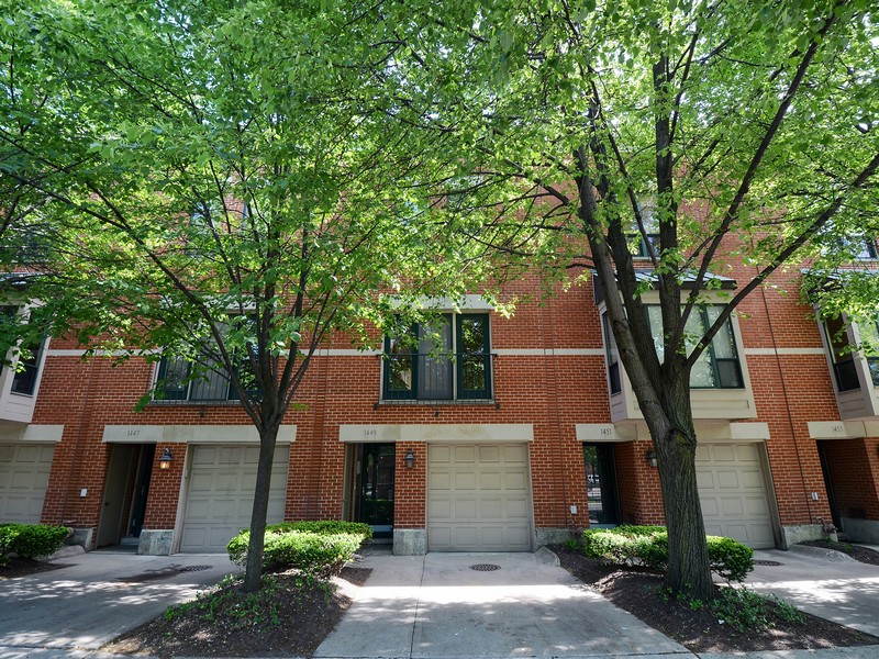 Townhouse for Sale at Nice Townhome in Girabaldi Square! 1449 W Harrison Street Chicago, Illinois 60607 United States