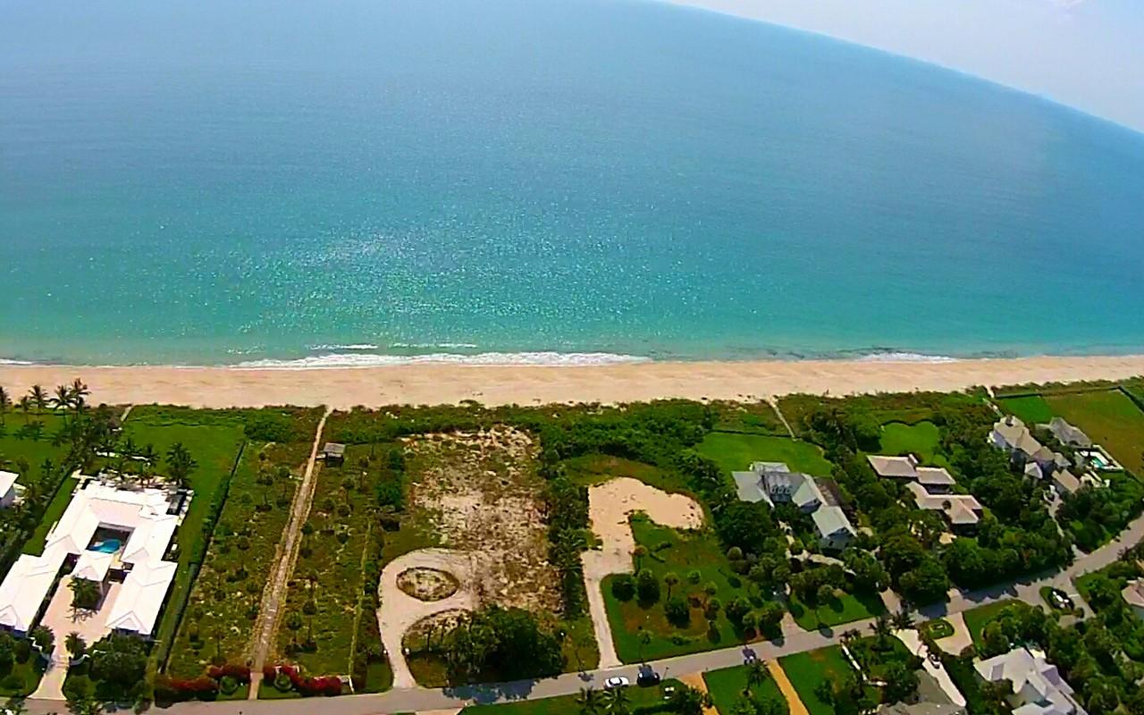 Terrain pour l Vente à Spectacular Oceanfront Homesite 856 Reef Rd Vero Beach, Florida, 32963 États-Unis
