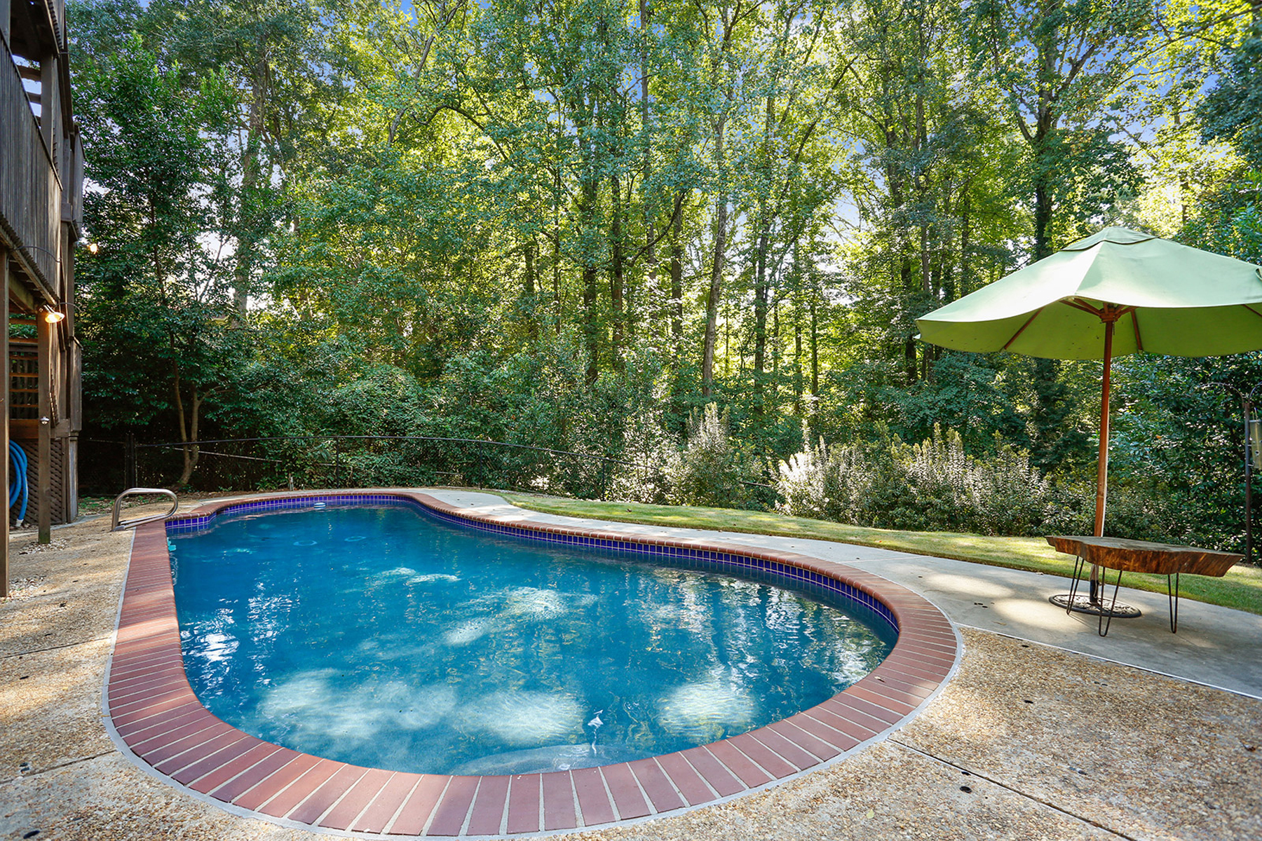 Additional photo for property listing at Private Oasis In Virginia Highland 1154 Hancock Drive Atlanta, Geórgia 30306 Estados Unidos