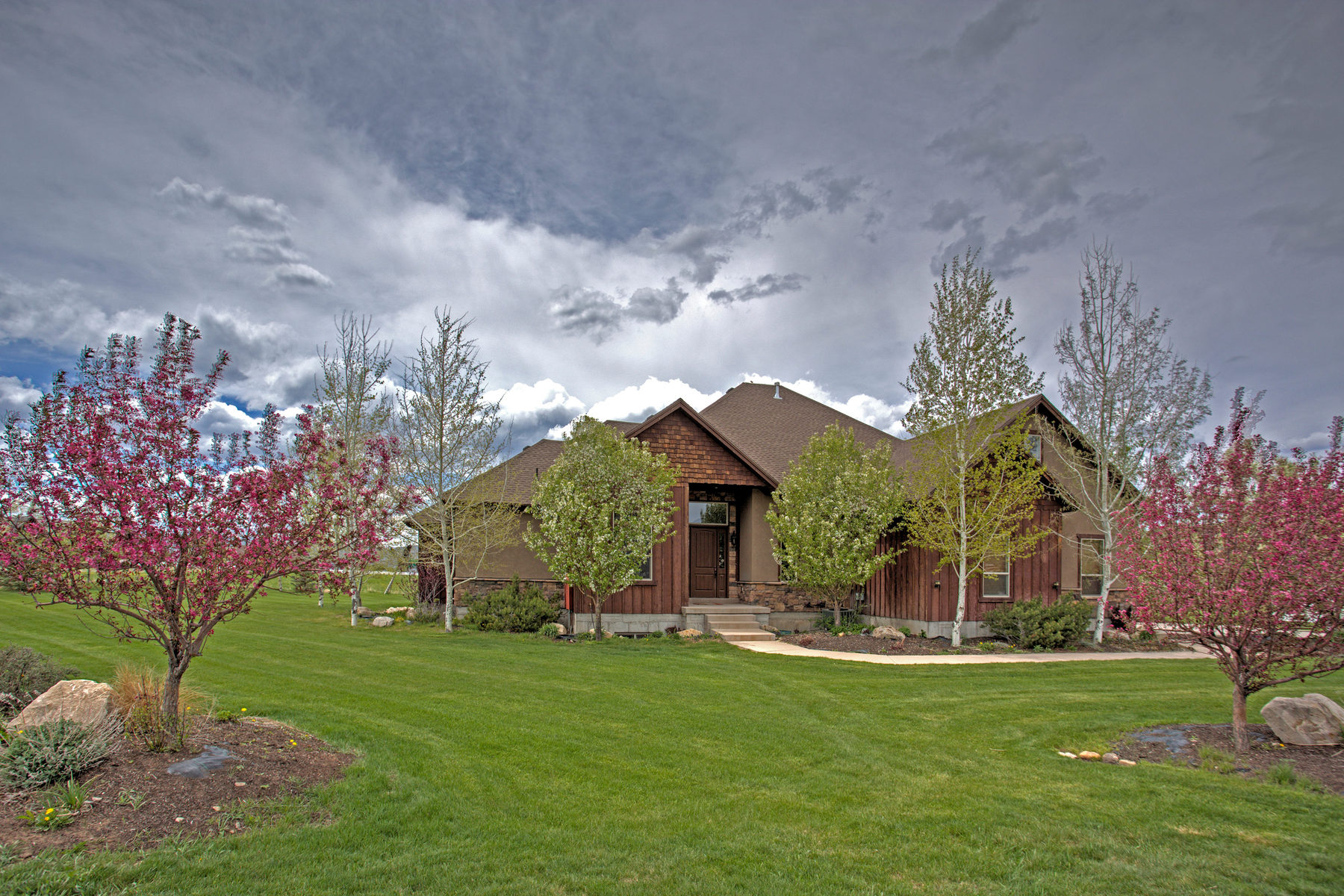 Property For Sale at Contemporary Home with Mountain Views