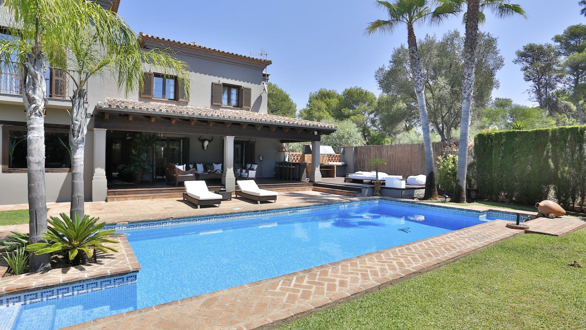 Single Family Home for Sale at A charming villa located 200m from the beach in Elvira Other Andalucia, Andalucia Spain