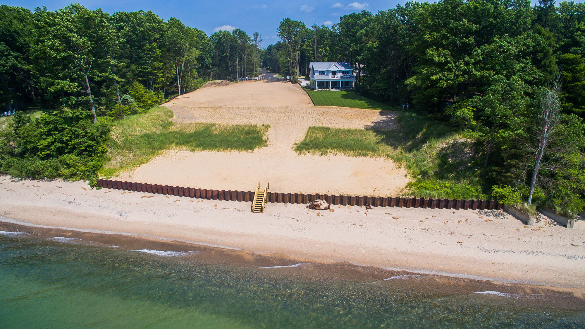 Additional photo for property listing at Coastal Elegance On The Shore Of Lake Michigan 77277 South Beach Drive South Haven, Michigan 49090 United States