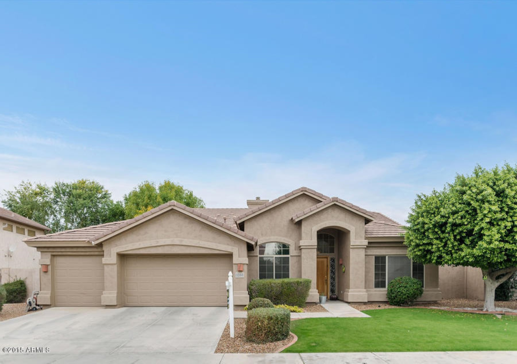 Nhà ở một gia đình vì Bán tại This is a must see home in the magic 85254 zip code 5244 E CHARLESTON AVE Scottsdale, Arizona 85254 Hoa Kỳ
