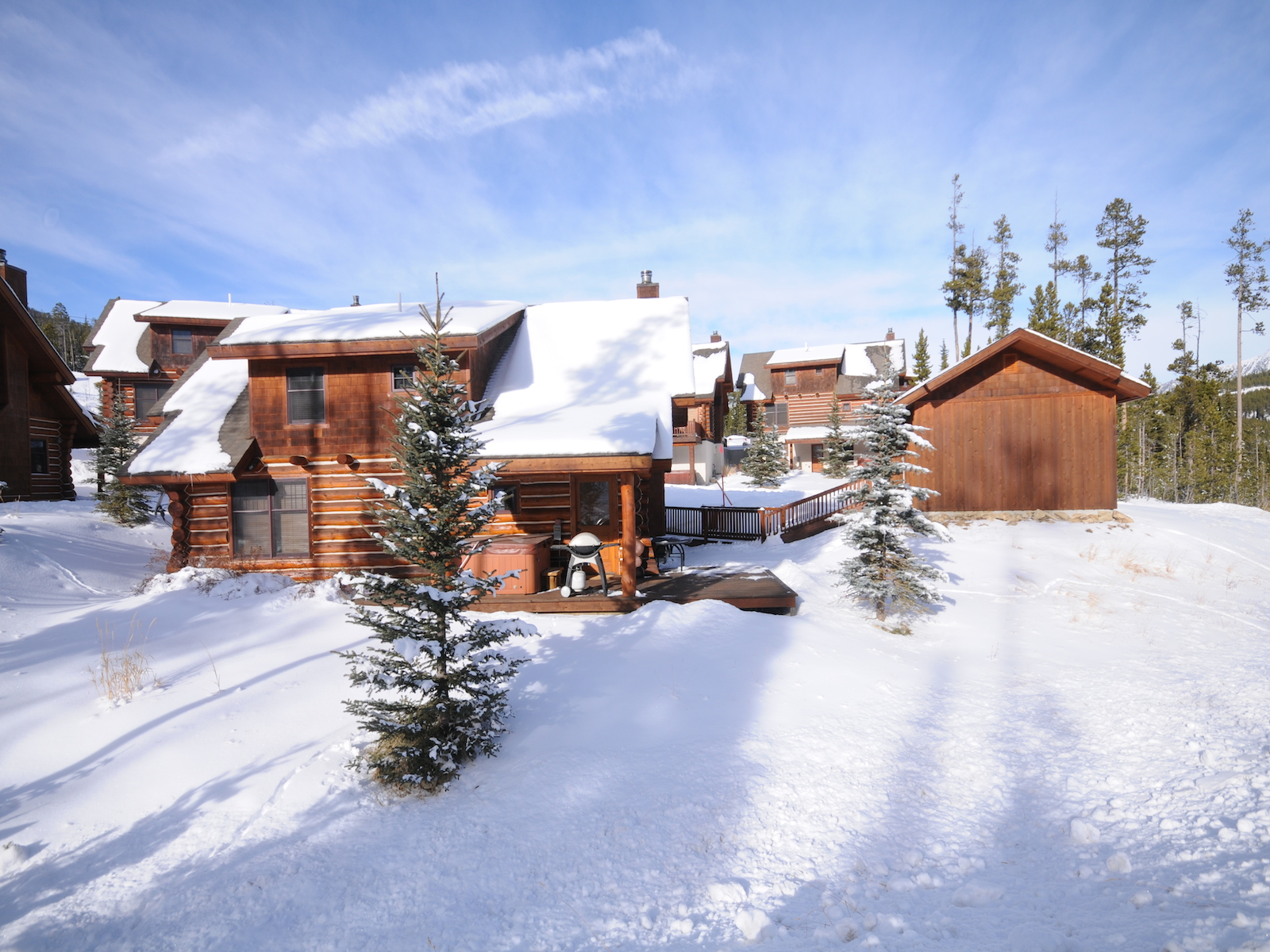 Condominio por un Venta en Ski-in, Ski-out Powder Ridge Cabin 16 Red Cloud Loop Powder Ridge 16 Big Sky, Montana 59716 Estados Unidos