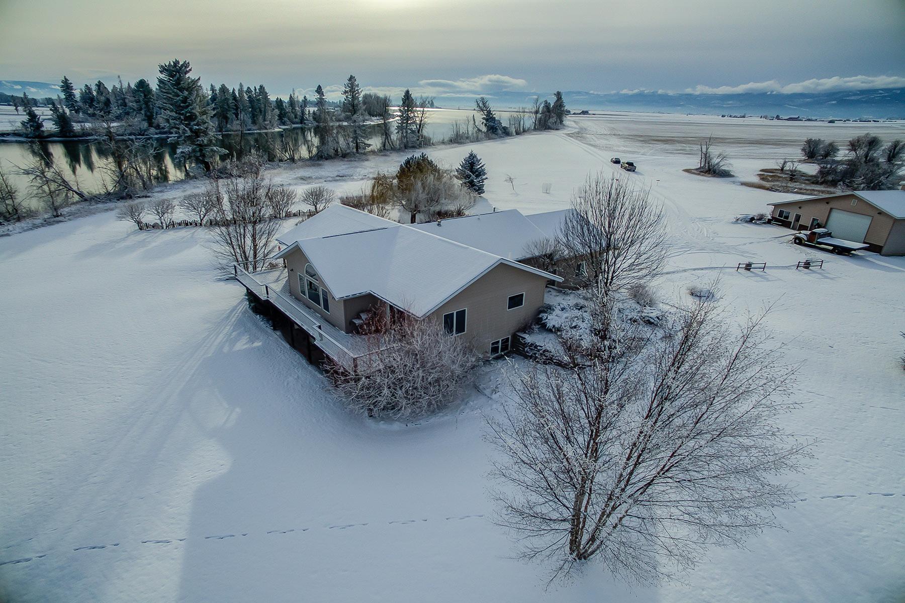 Fazenda / Rancho / Plantação para Venda às 2909 Lower Valley Road Kalispell, Montana 59901 Estados Unidos
