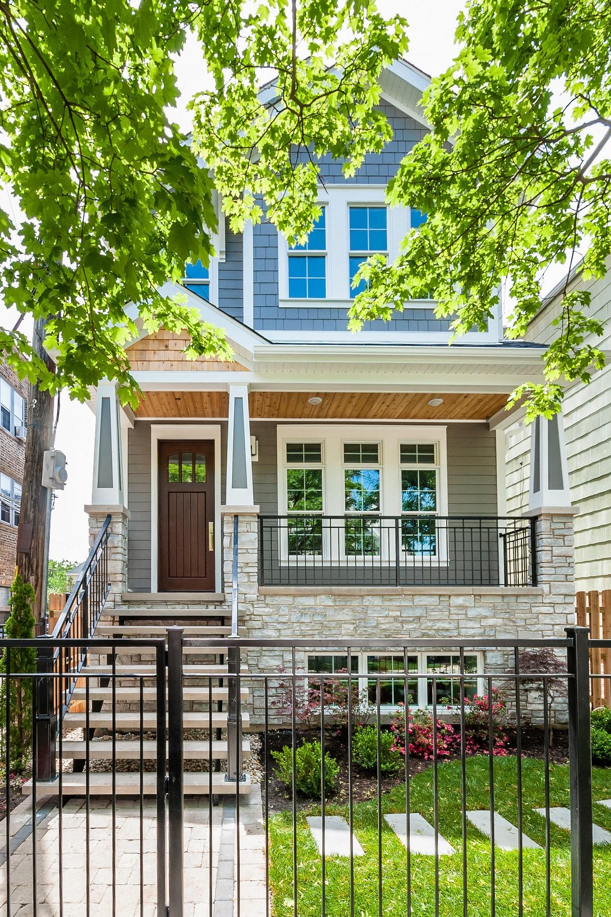 獨棟家庭住宅 為 出售 在 Micor Custom Home 2045 W Belle Plaine Avenue North Center, Chicago, 伊利諾斯州, 60618 美國