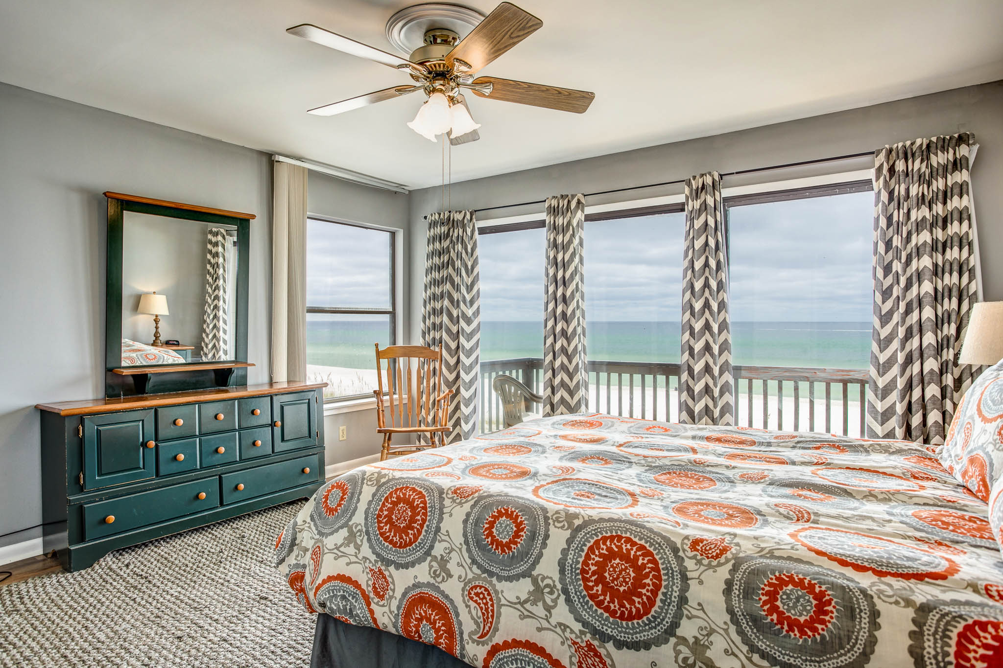 Maison unifamiliale pour l Vente à FURNISHED WEST END TOWNHOME WITH GULF VIEWS 20643 Front Beach Road Panama City Beach, Florida, 32413 États-Unis