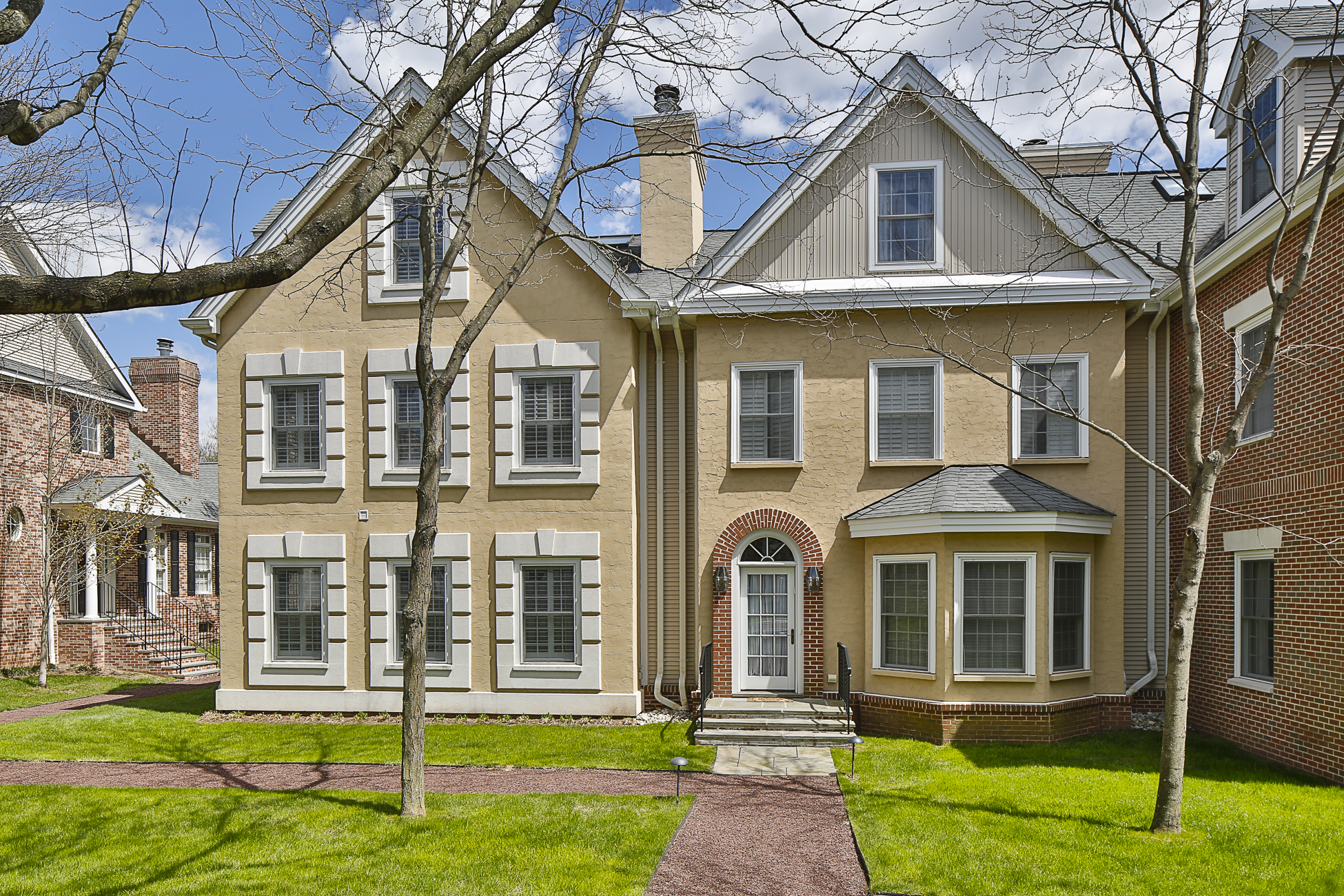 rentals property at Elegantly Appointed in Governors Lane