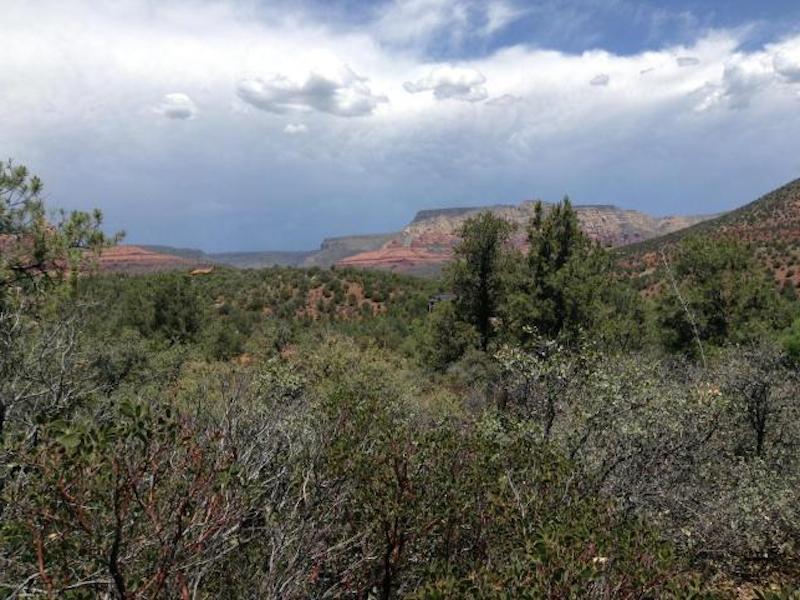Terreno para Venda às Perfect Lot for Hillside Masterpiece 80 Caballo Drive Sedona, Arizona 86336 Estados Unidos