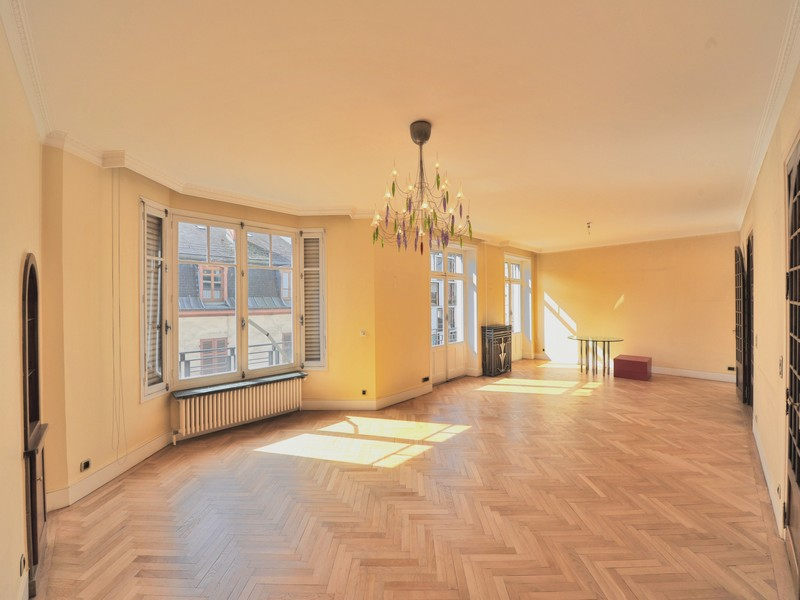 Single Family Home for Sale at Superbe appartement bourgeois Annecy, Rhone-Alpes 74000 France