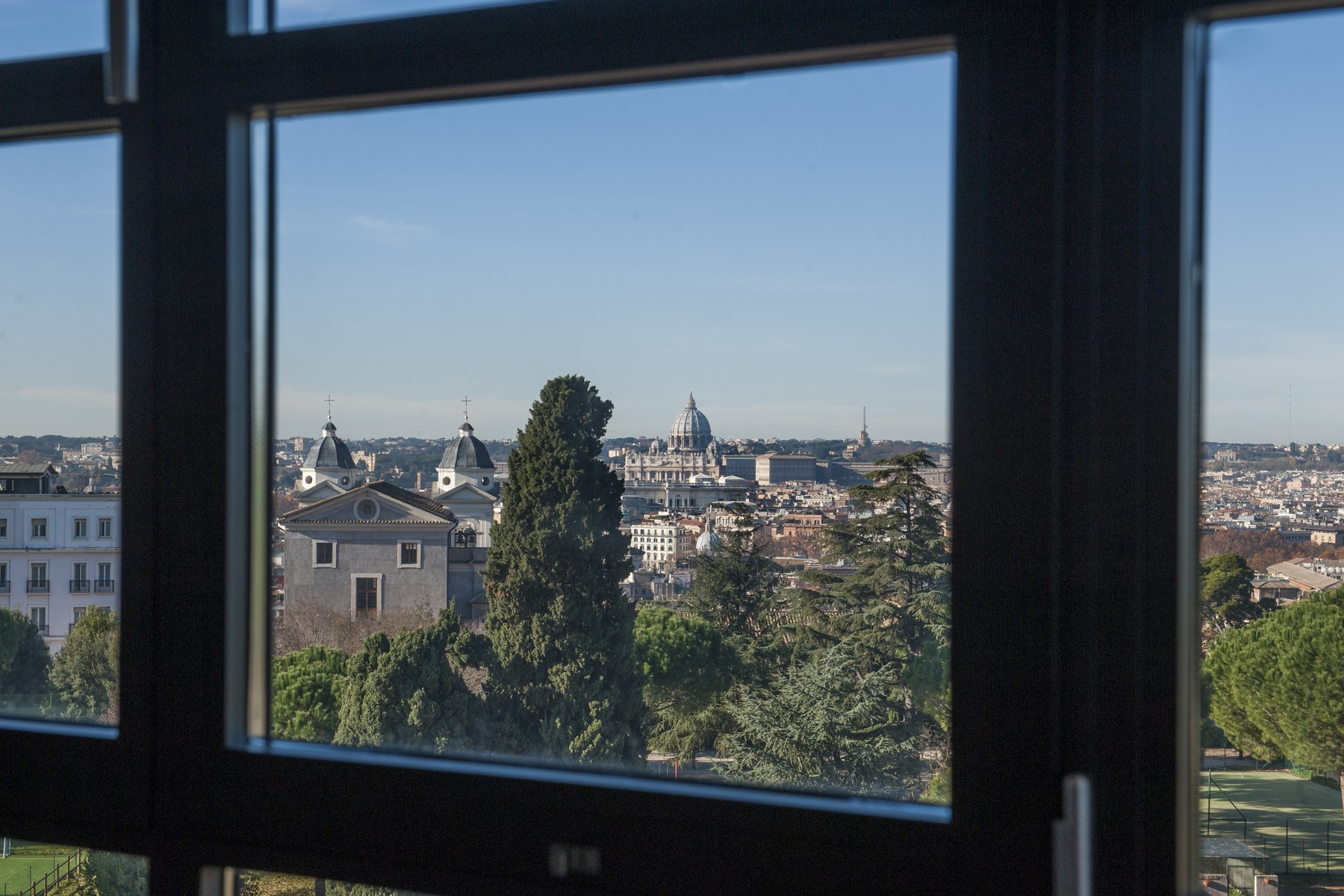 Additional photo for property listing at Stunning penthouse with panoramic view Rome, Rome Italien