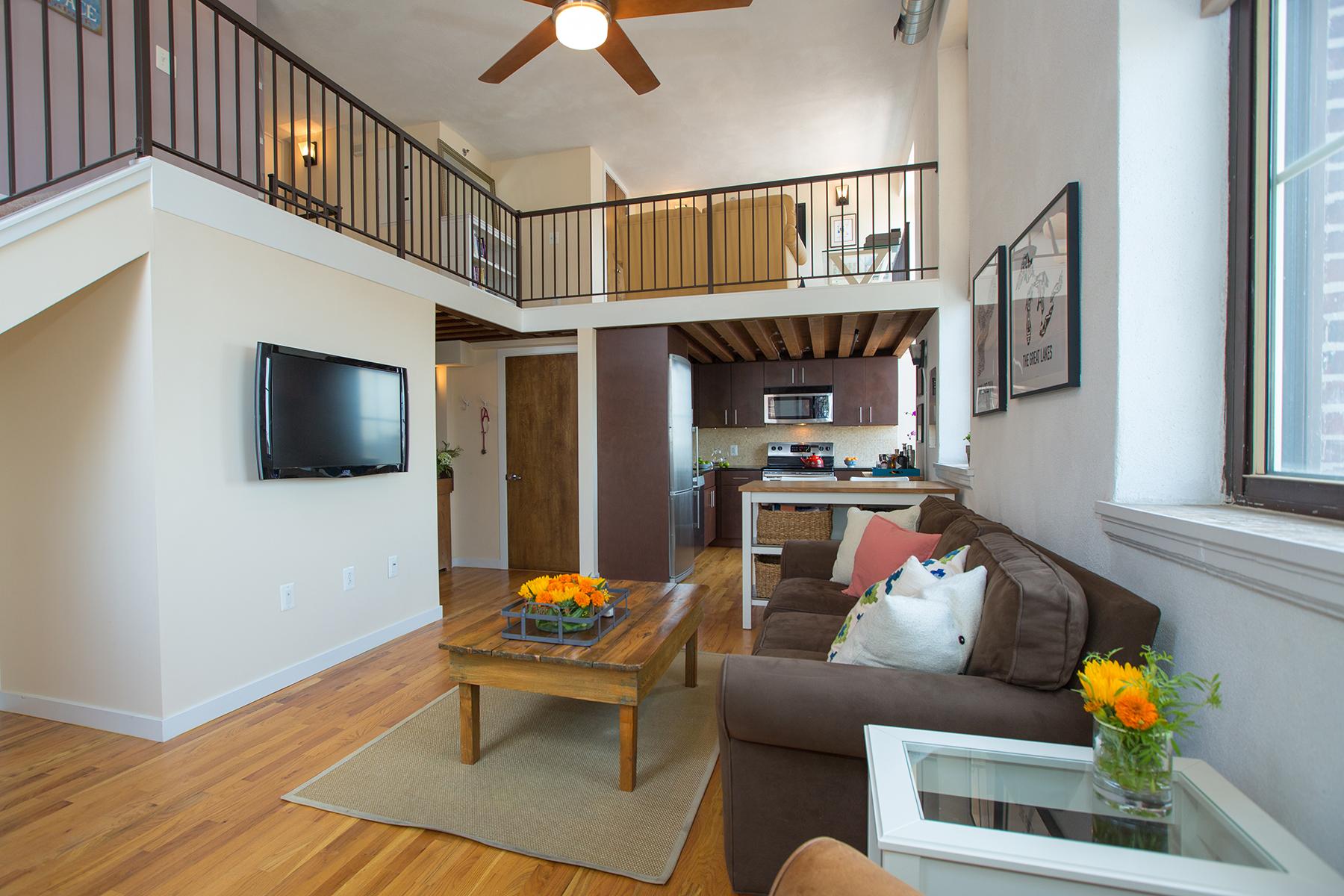 Condomínio para Venda às Hawthorne Loft Condominiums 1201-15 Fitzwater Street Unit 403 Philadelphia, Pensilvânia 19147 Estados Unidos