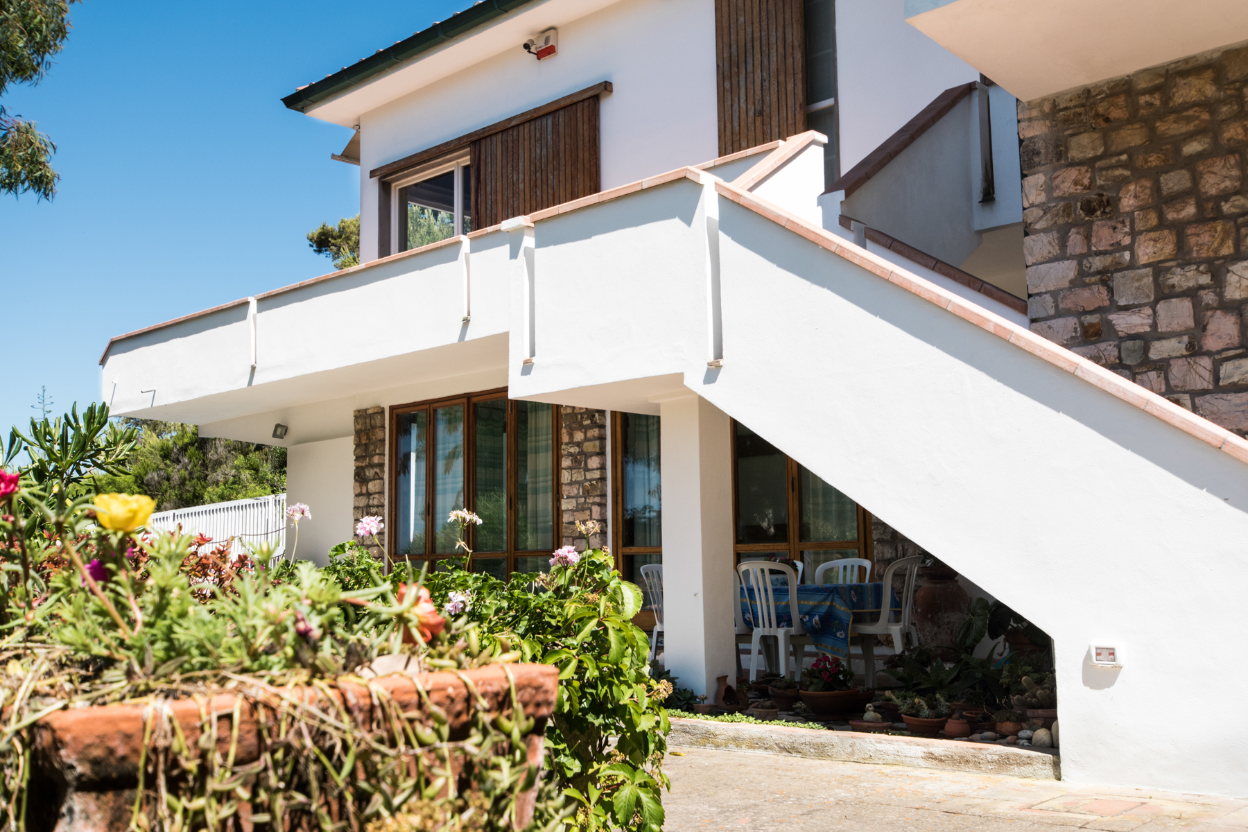 Additional photo for property listing at Unique beachfront villa with pool Via Einaudi Portoferraio, Livorno 57014 Italy