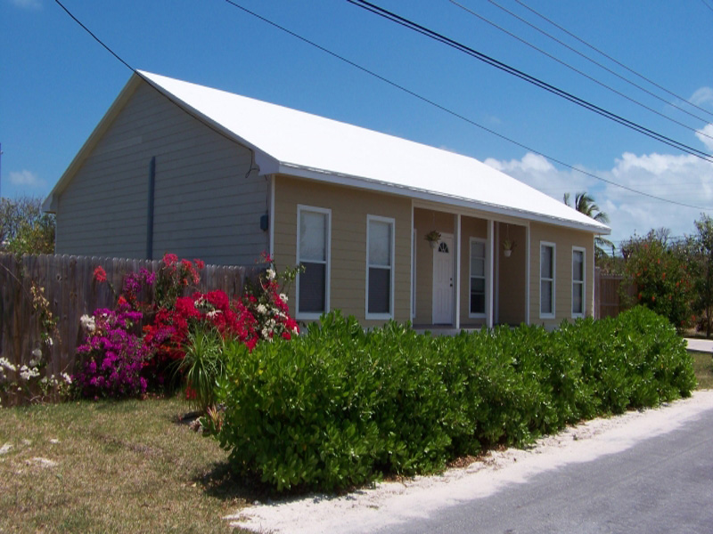 Additional photo for property listing at Single Family Home with water access Russell Island Spanish Wells, Eleuthera 0 Bahamas