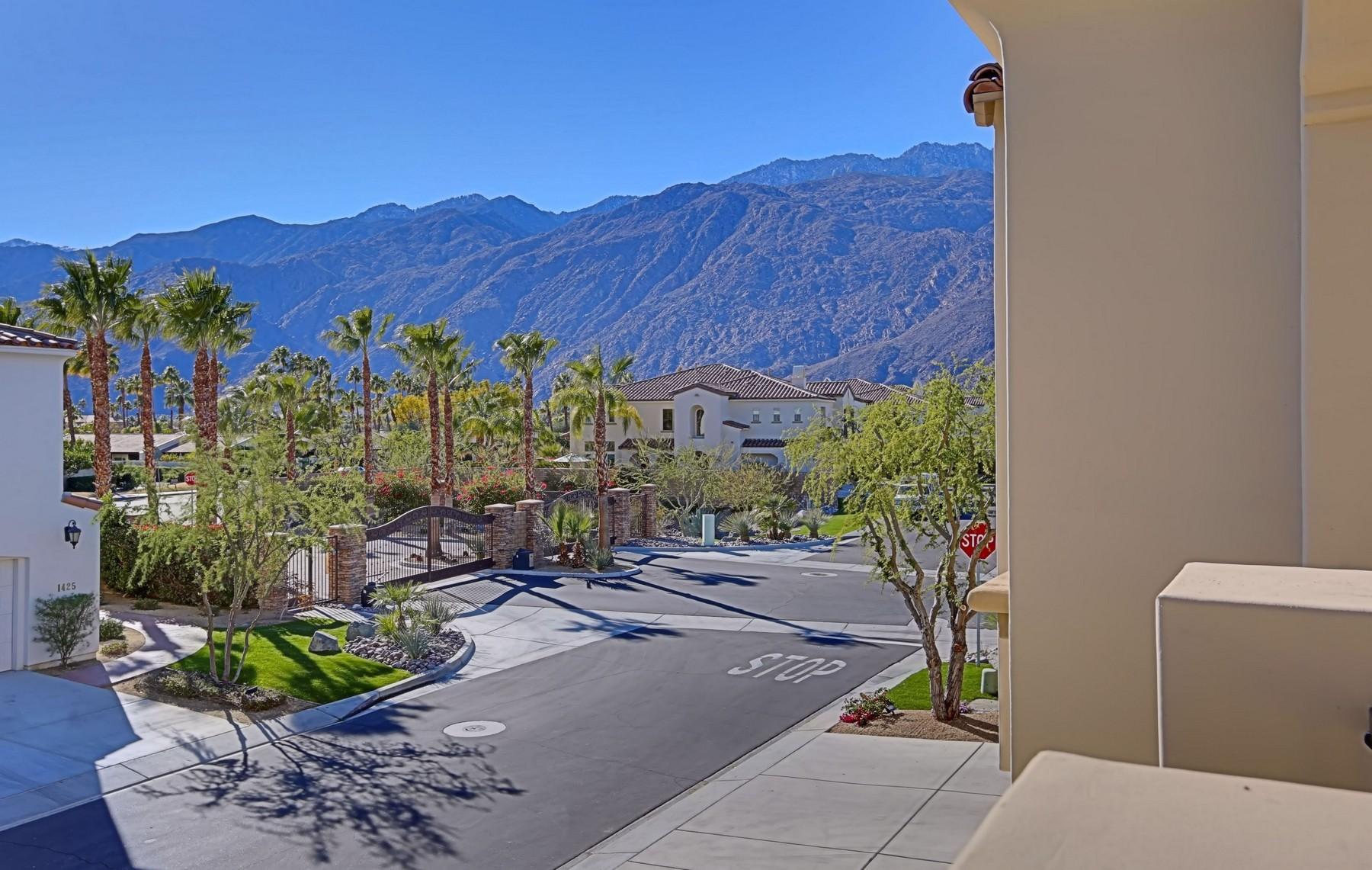 共管式独立产权公寓 为 销售 在 1424 Avenida Montana 棕榈泉, 加利福尼亚州, 92262 美国