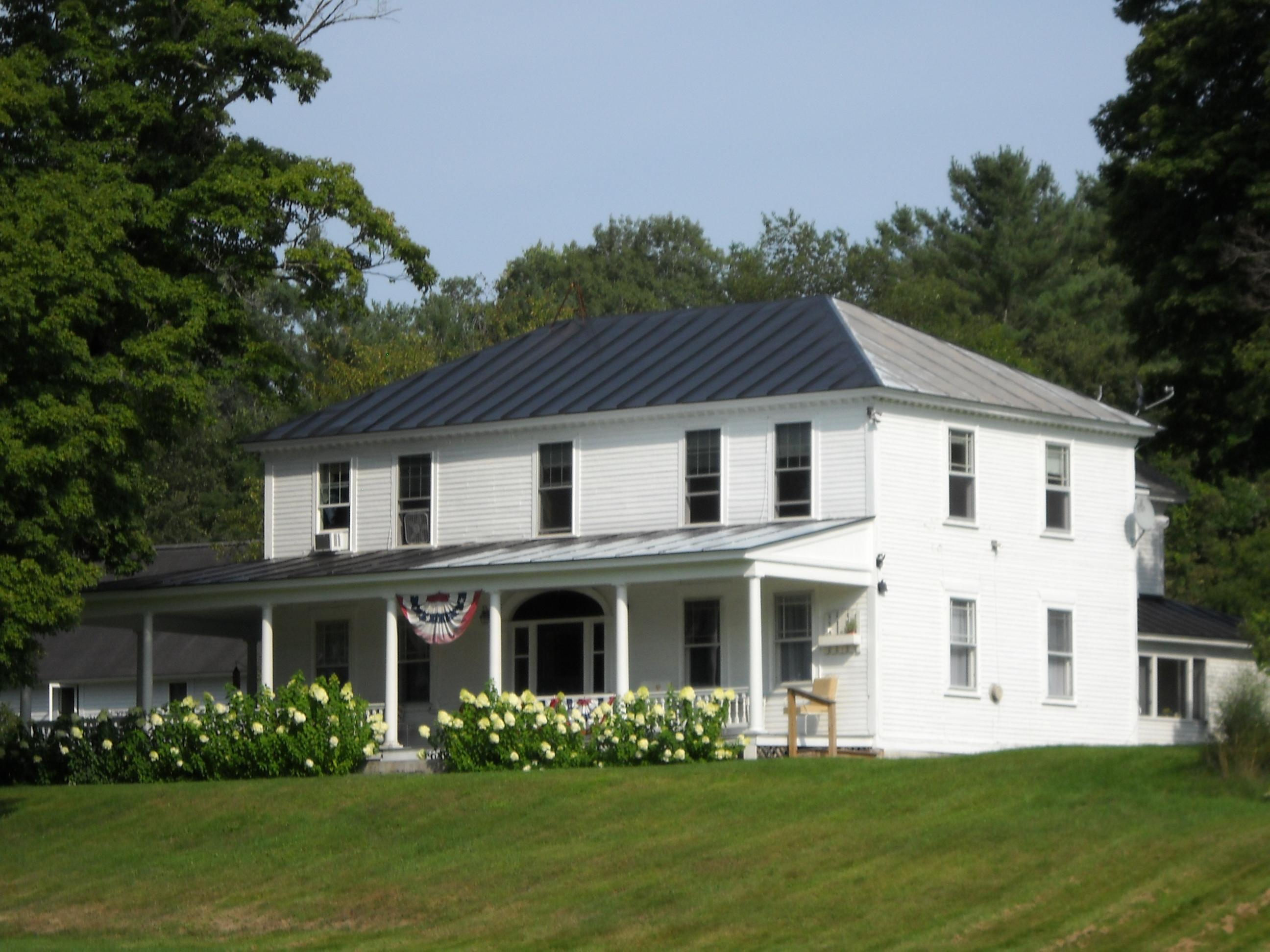 Casa Multifamiliar por un Venta en 394 Rte 10, Orford Orford, Nueva Hampshire, 03777 Estados Unidos