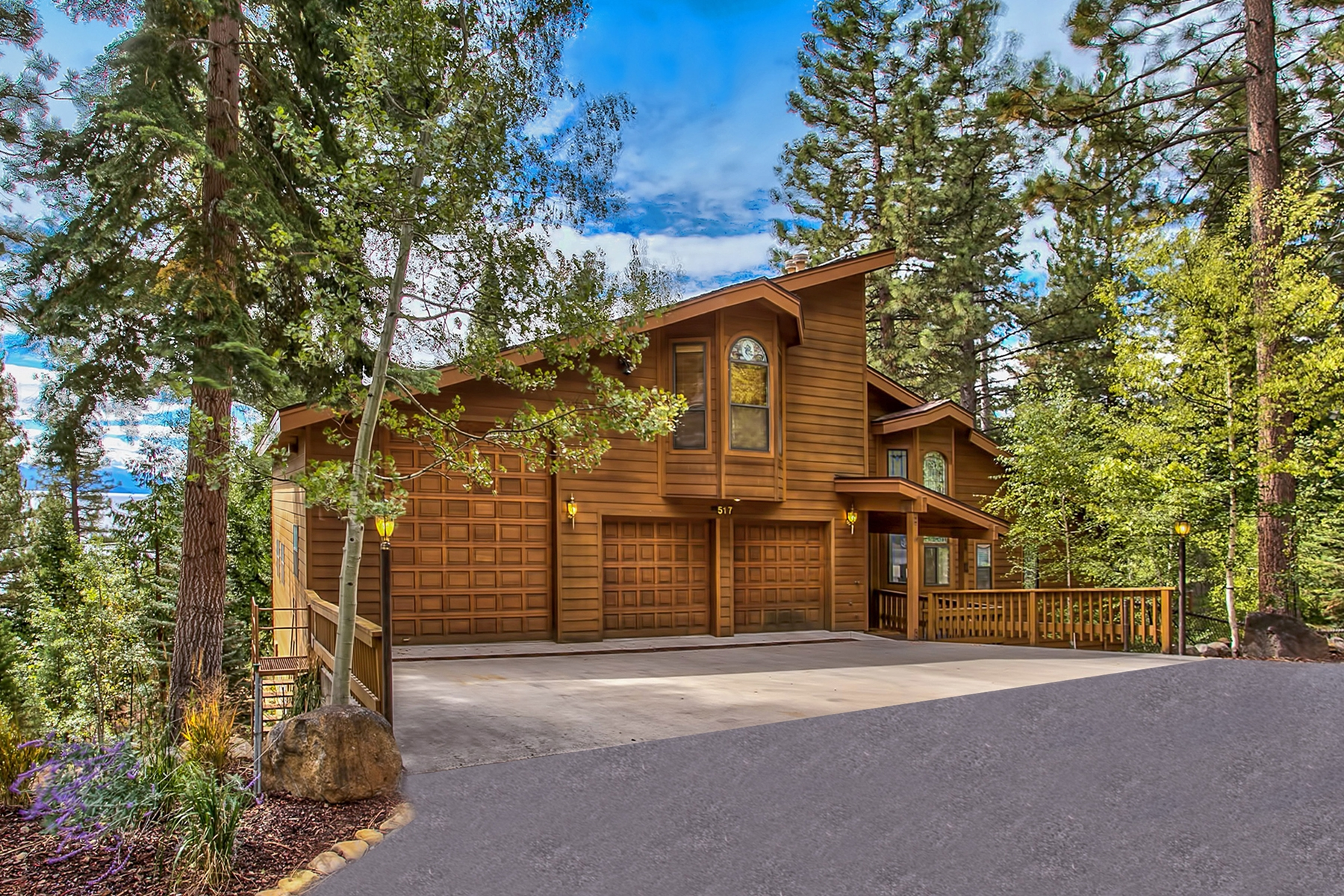 Maison unifamiliale pour l Vente à 517 Lodgepole Drive Incline Village, Nevada, 89451 Lake Tahoe, États-Unis