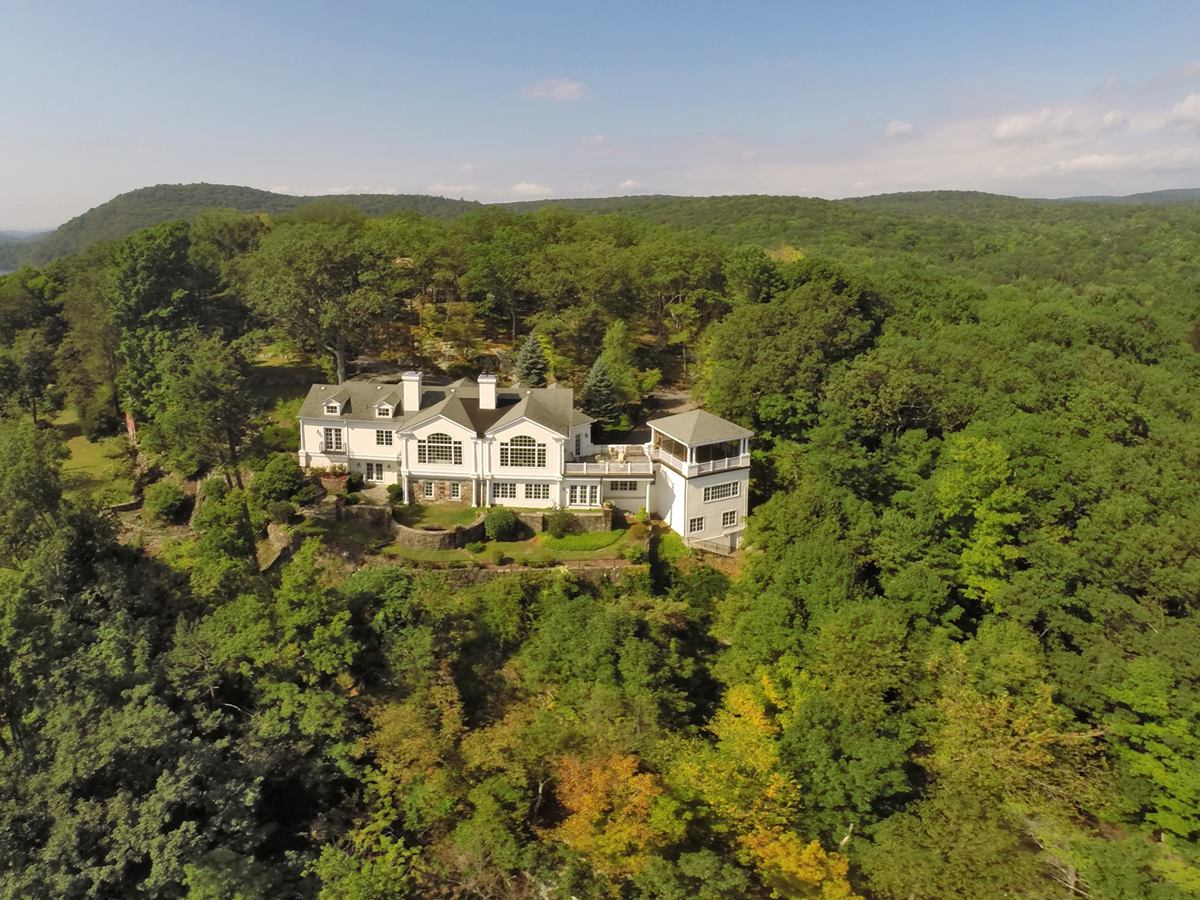 Single Family Home for Sale at Bella Lago 52 Turtle Mountain Rd Tuxedo Park, New York 10987 United States