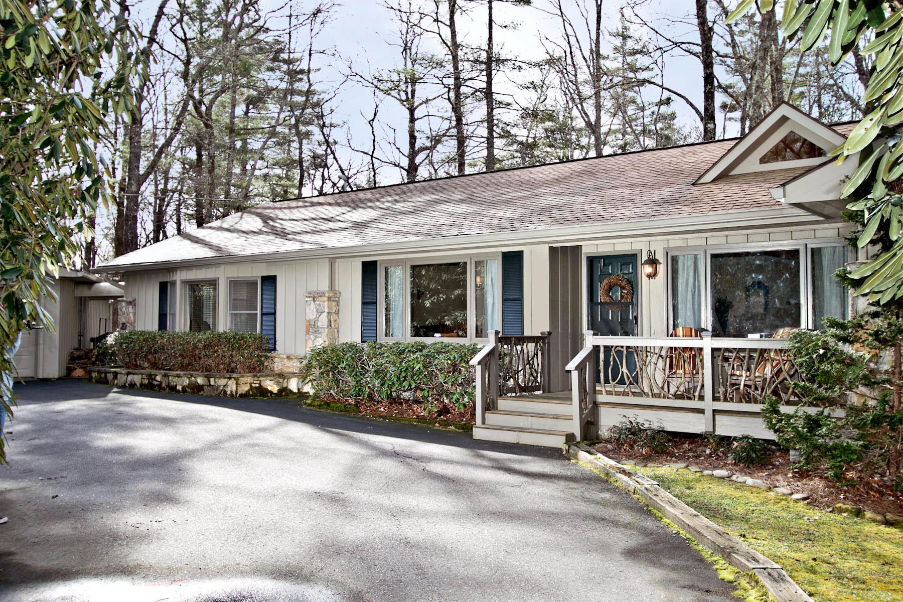 Single Family Home for Sale at 371 Dixon Drive Highlands, North Carolina, 28741 United States