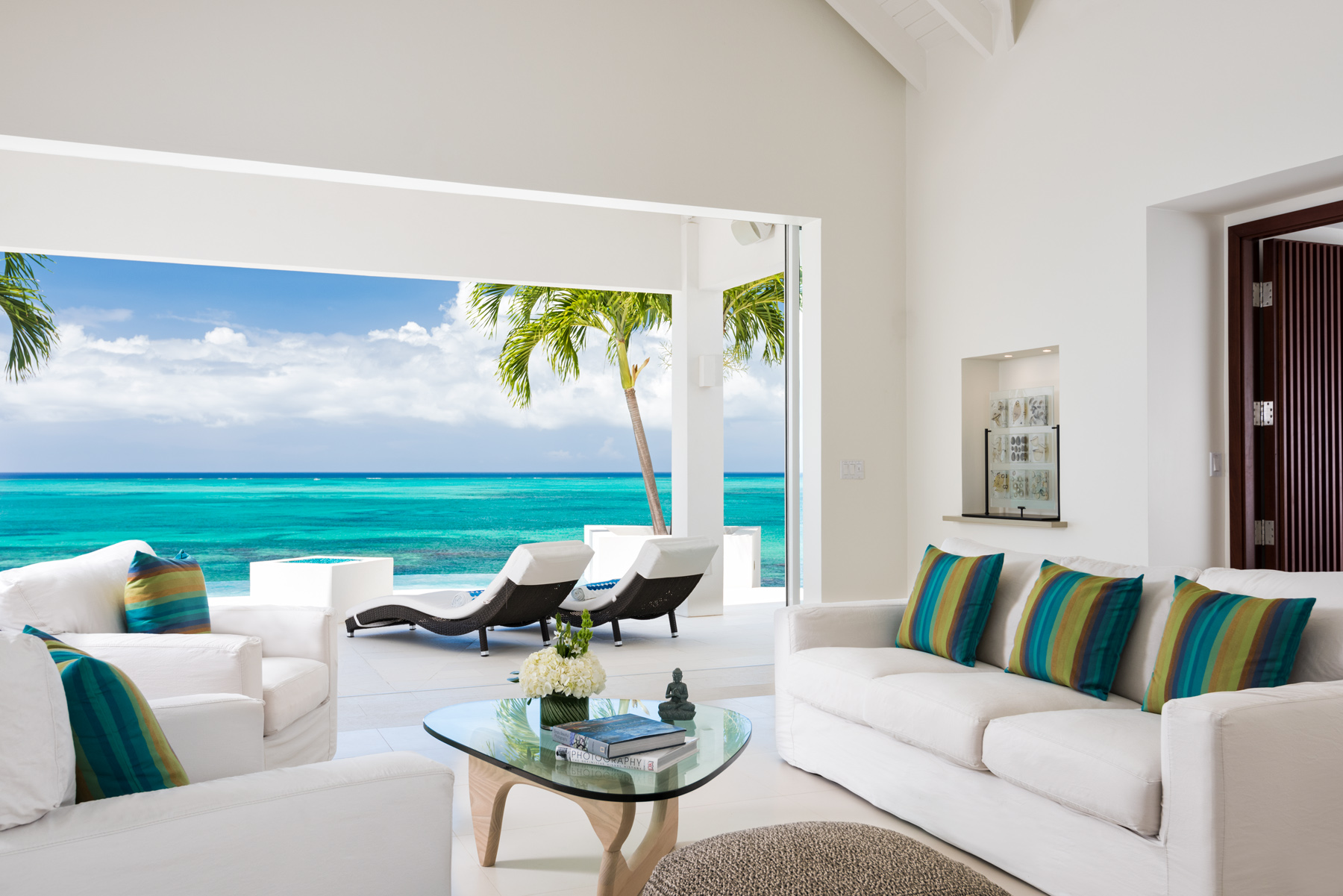 Additional photo for property listing at Villa Lua Beachfront Blue Mountain, Providenciales TC Îles Turques Et Caïques