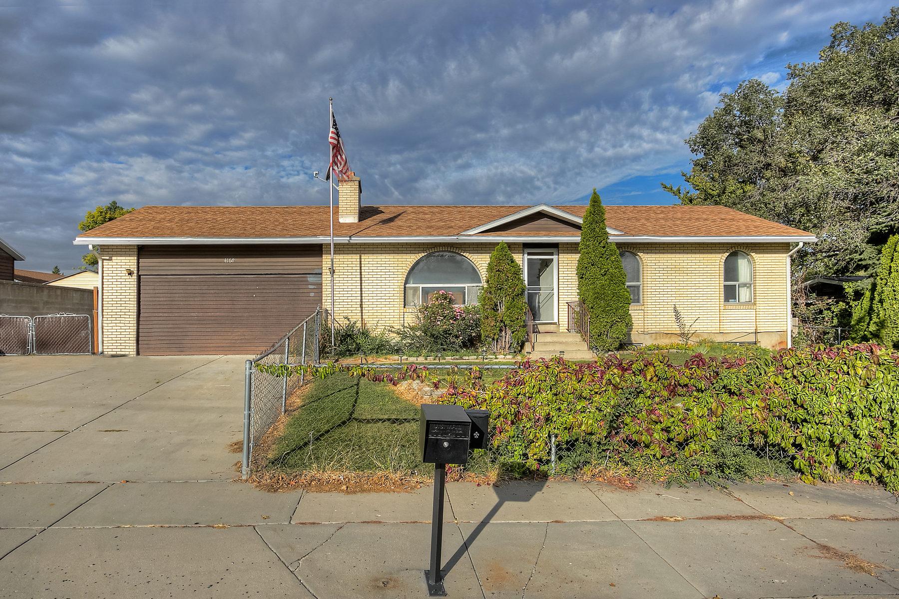 Maison unifamiliale pour l Vente à Taylorsville on the 10th 4168 South 1300 West Murray, Utah 84123 États-Unis