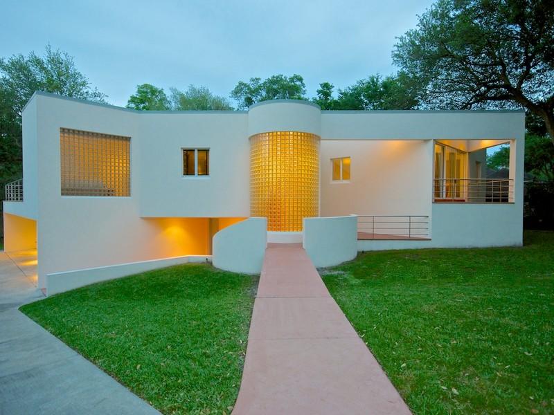 Single Family Home for Sale at Rio Lindo 715 Rio Lindo Drive Jacksonville, Florida 32207 United States