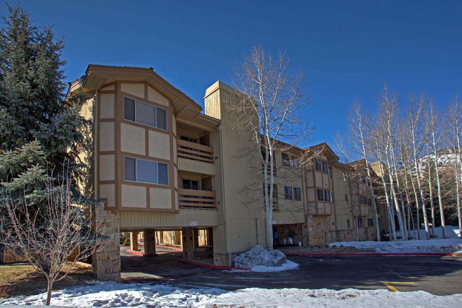 Nhà chung cư vì Bán tại On the Golf Course and Walking Distance to Skiing! 1585 Empire Ave #105 Park City, Utah, 84060 Hoa Kỳ