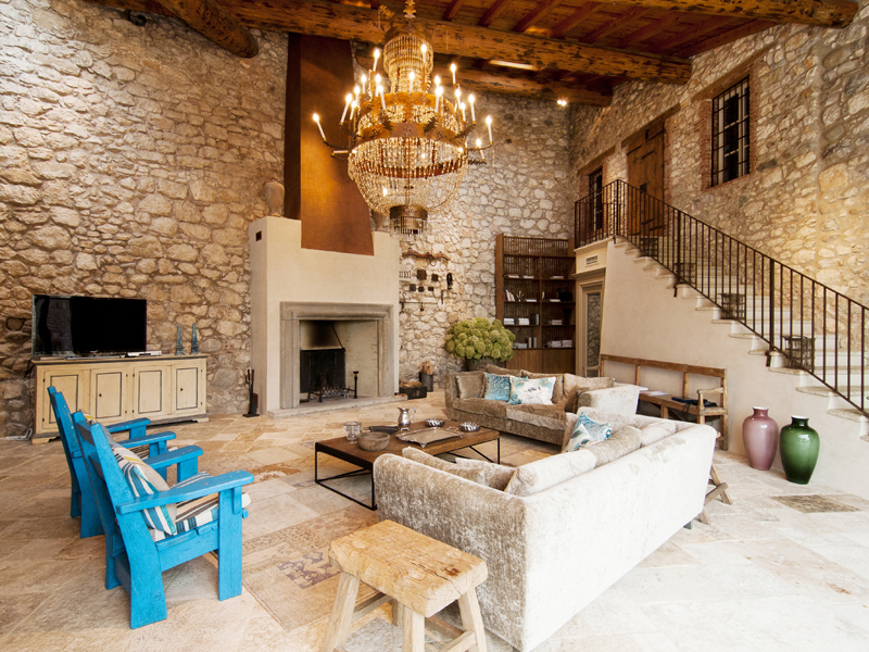 Casa Multifamiliar por un Venta en Wonderful property overlooking Lake Garda Bardolino Bardolino, Verona, 37011 Veneto, Italia