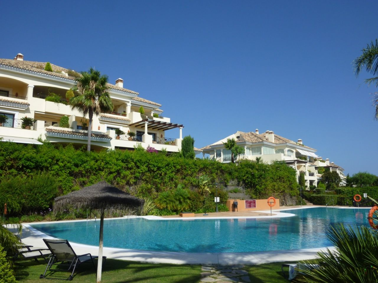 公寓 为 销售 在 Lovely duplex penthouse in the golf Valley Nueva Andalucia Marbella, Costa Del Sol 29660 西班牙