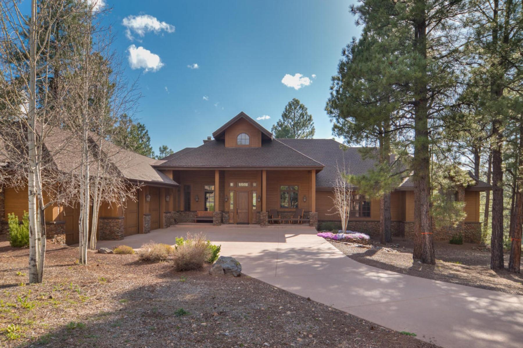 Nhà ở một gia đình vì Bán tại Stunning mountain retreat in the community of Forest Highlands Golf Club. 2098 CECIL RICHARDSON RD Flagstaff, Arizona 86005 Hoa Kỳ