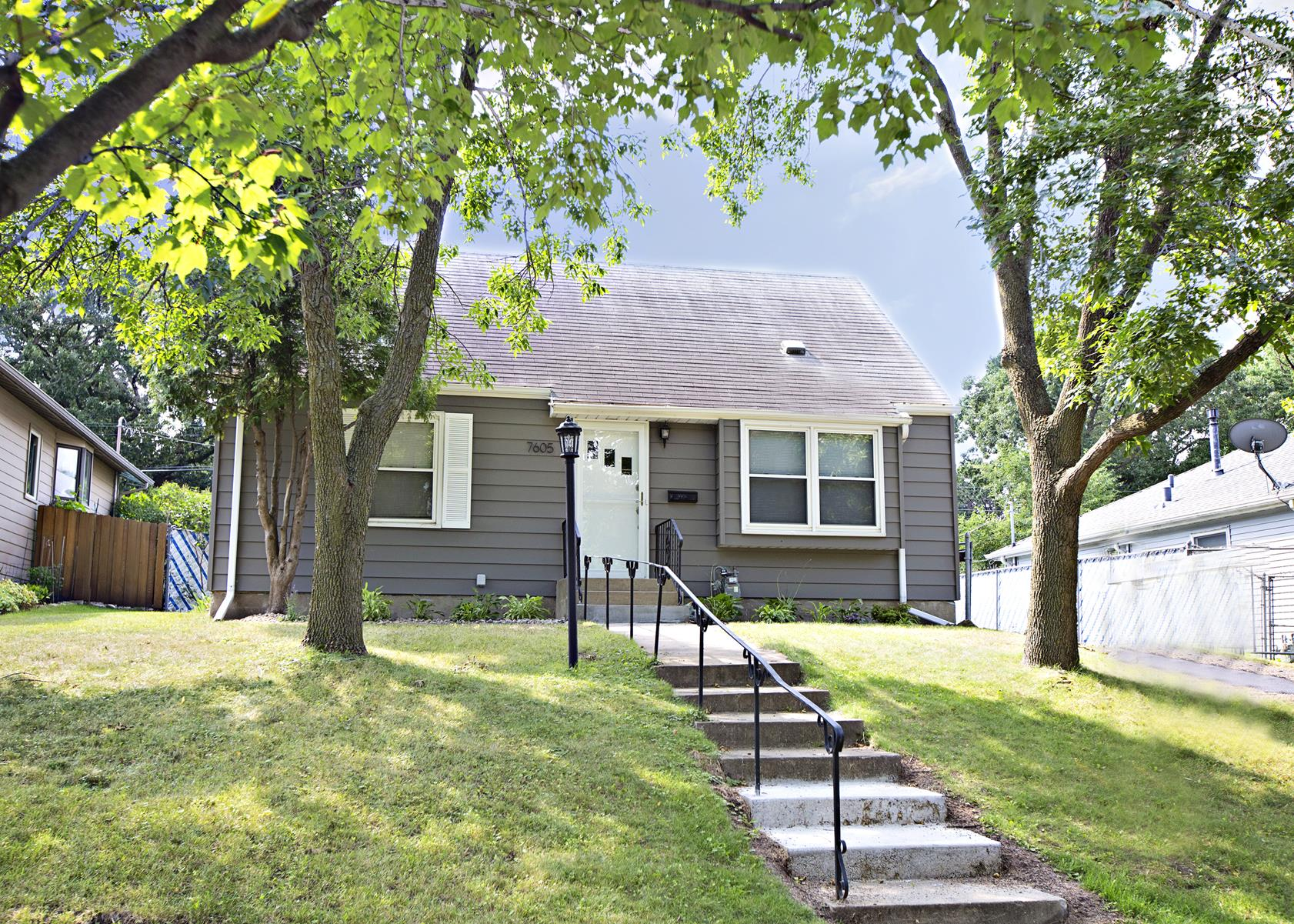 Single Family Home for Sale at 7605 W Lake Street St. Louis Park, Minnesota, 55426 United States